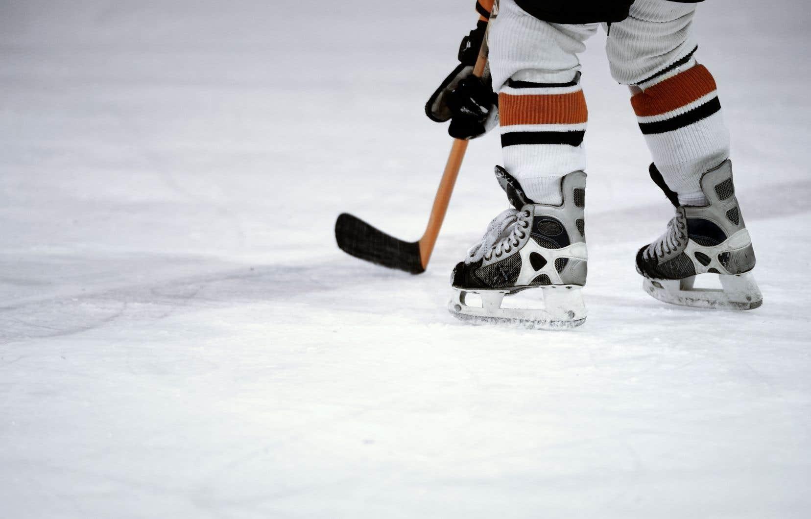Certaines des présumées victimes étaient des jeunes impliqués dans le hockey, mais d'autres vivaient dans le même quartier que l'accusé.