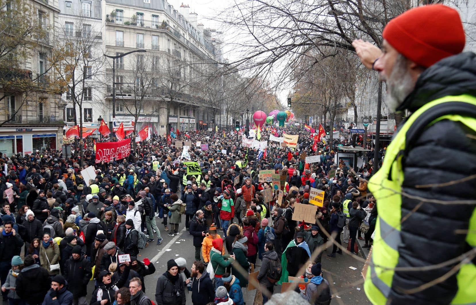 Plusieurs marches de protestation contre la réforme projetée des retraites se sont déroulées dans diverses villes de France, jeudi. Des incidents ont éclaté à certains endroits, notamment à Paris et à Toulouse.