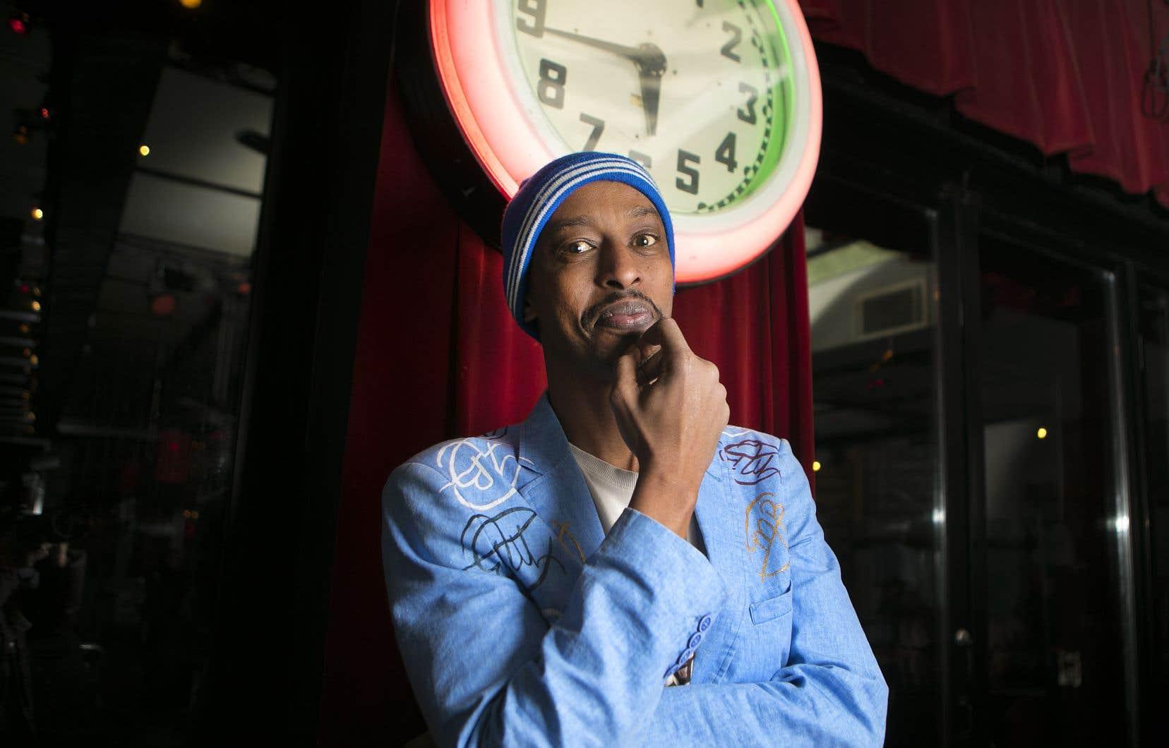 L'humoriste Michel Mpambara fait un retour après 15 ans d'absence.
