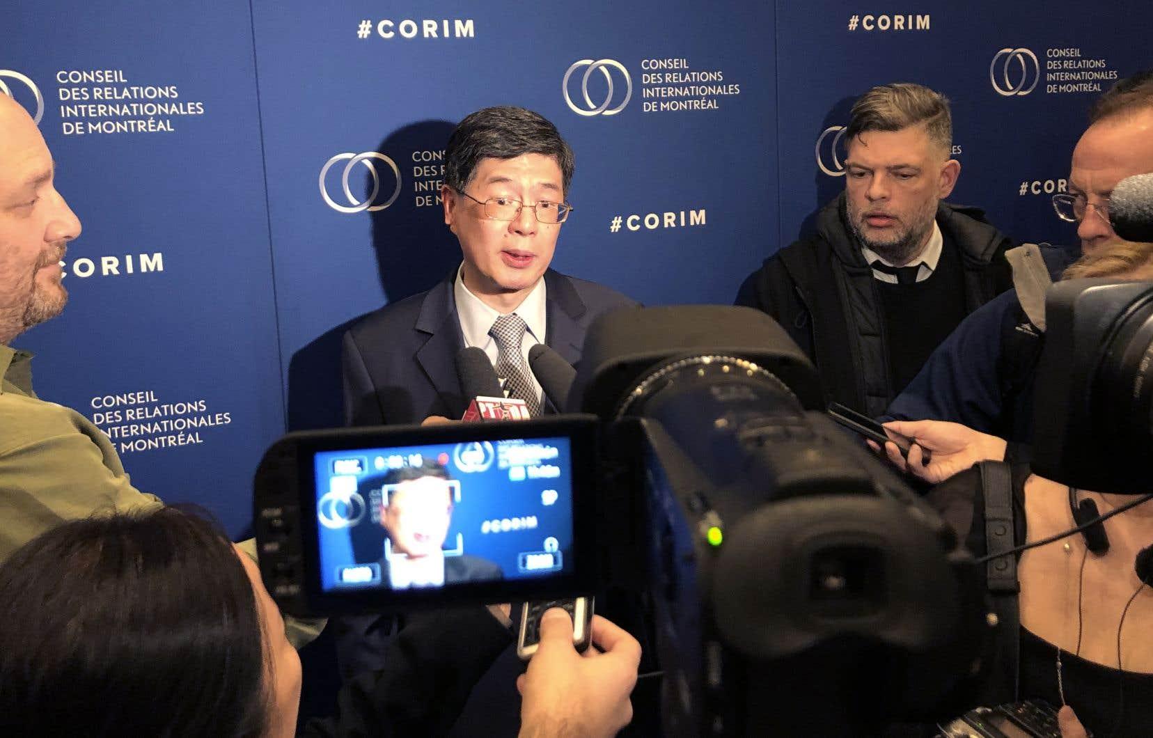 À propos du traitement de la minorité ouïghoure par la Chine, Peiwu Cong a répété qu'«[il] n'y a pas de telles choses, abus ou camps de concentration. Le gouvernement local applique des mesures de contre-terrorisme et de déradicalisation. Et c'est un succès.»