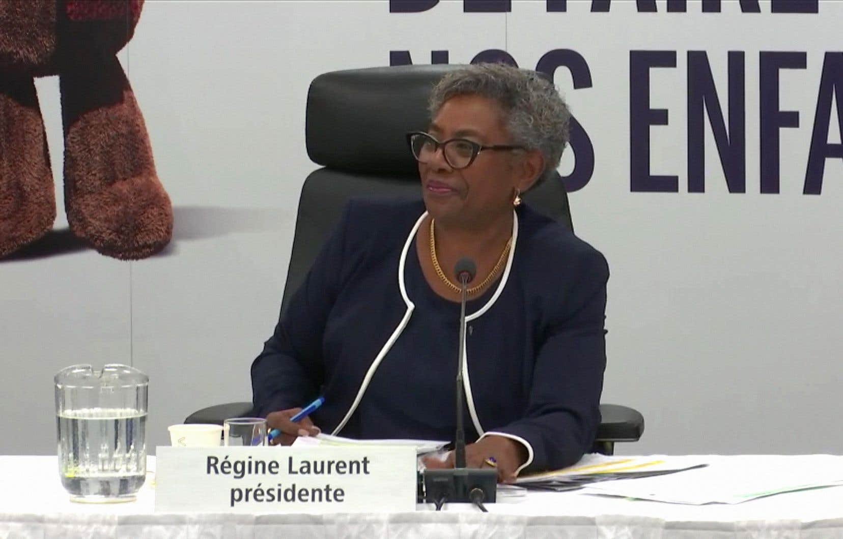 «La présidente de la Commission, Régine Laurent, a exigé, face à la sous-ministre adjointe du ministère de la Santé et des Services sociaux, que l'on entende enfin les intervenants et les acteurs de terrain», soulignent les auteurs.