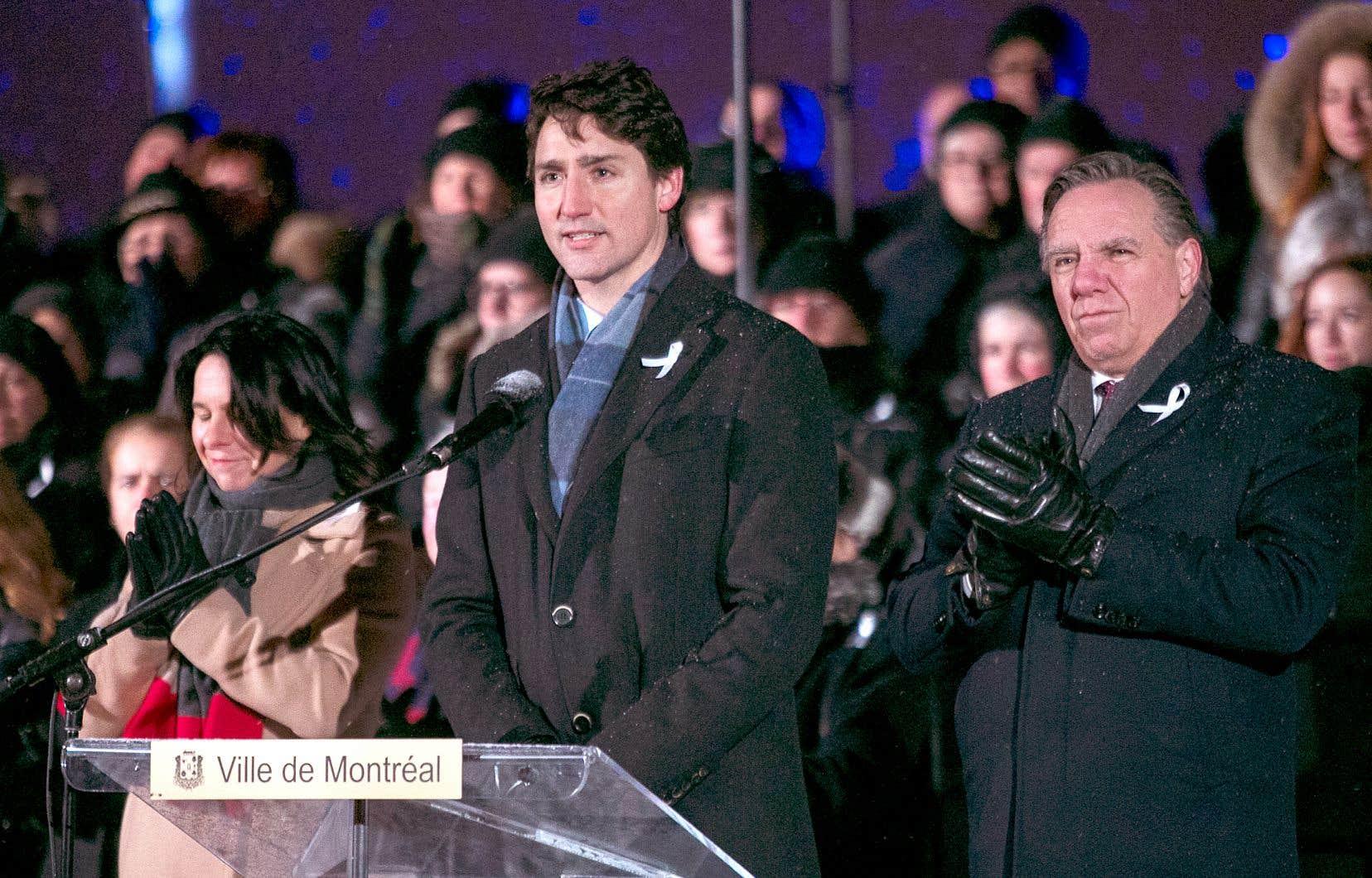 La mairesse de Montréal, Valérie Plante, le premier ministre du Canada, Justin Trudeau, son homologue québécois, François Legault, se sont tour à tour adressés à la foule.