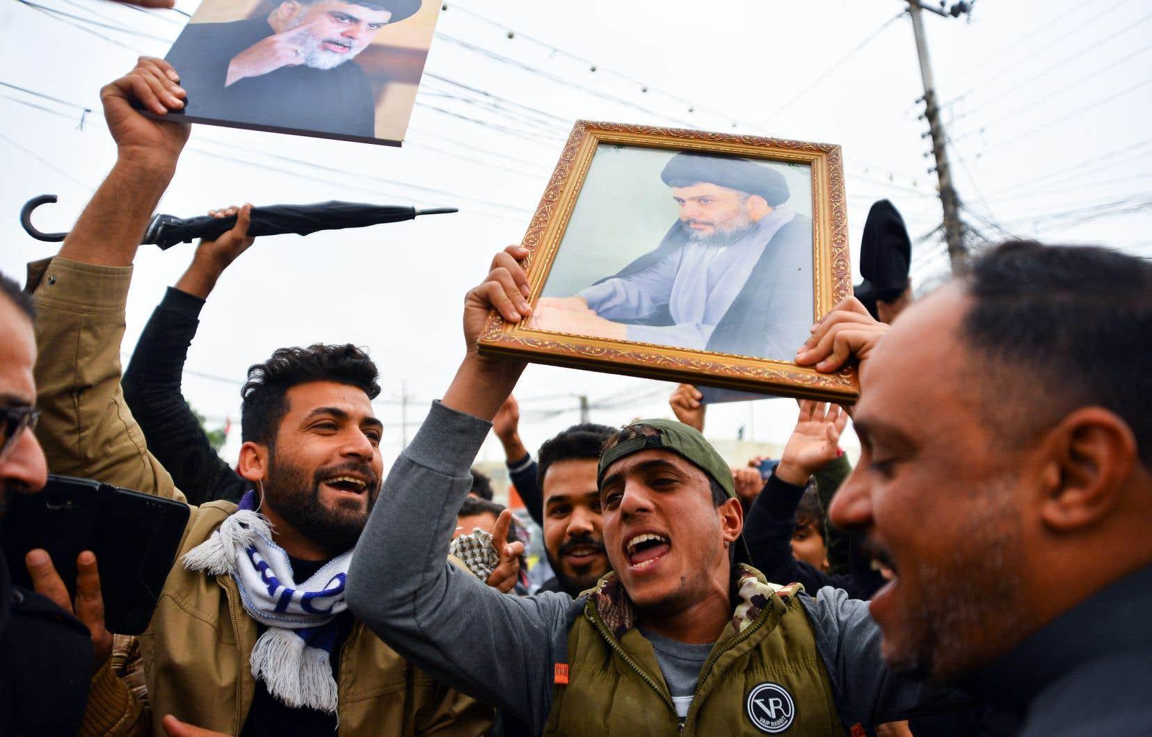 Samedi, les manifestants ont afflué plus nombreux sur la place Tahrir, épicentre de la contestation, et dans les villes du Sud, pour réclamer la chute du système tout entier.