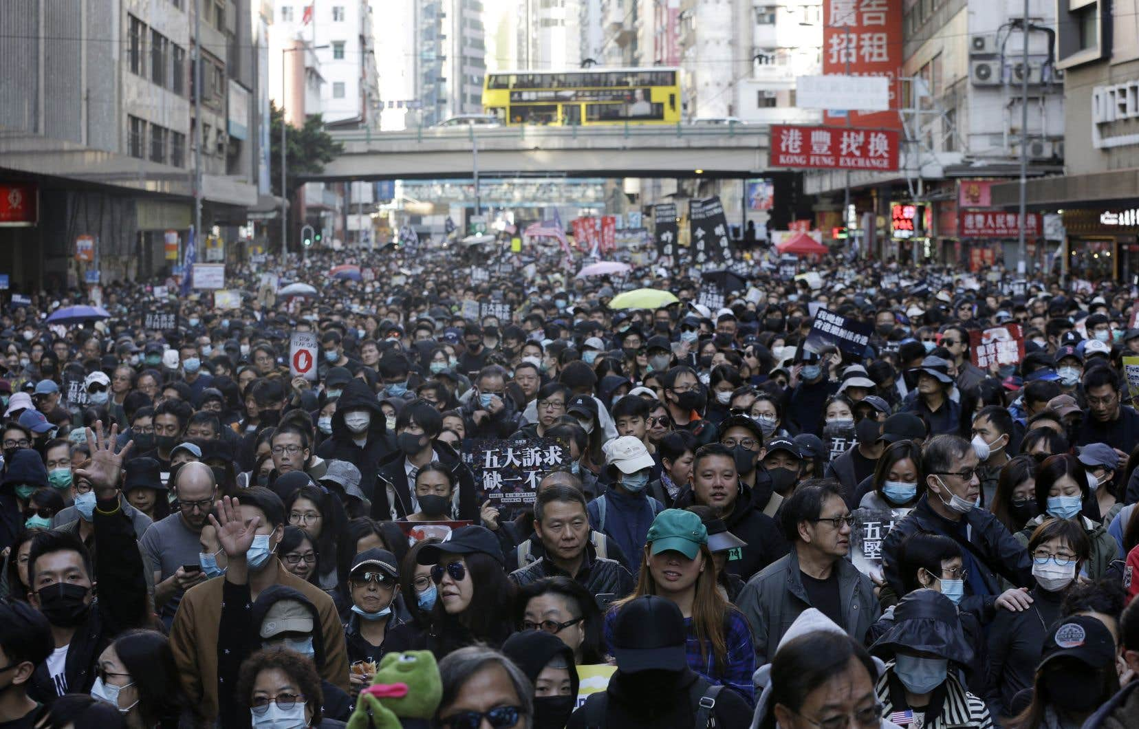 La foule de dimanche était la plus grande depuis le début des protestations à Hong Kong, en juin dernier.