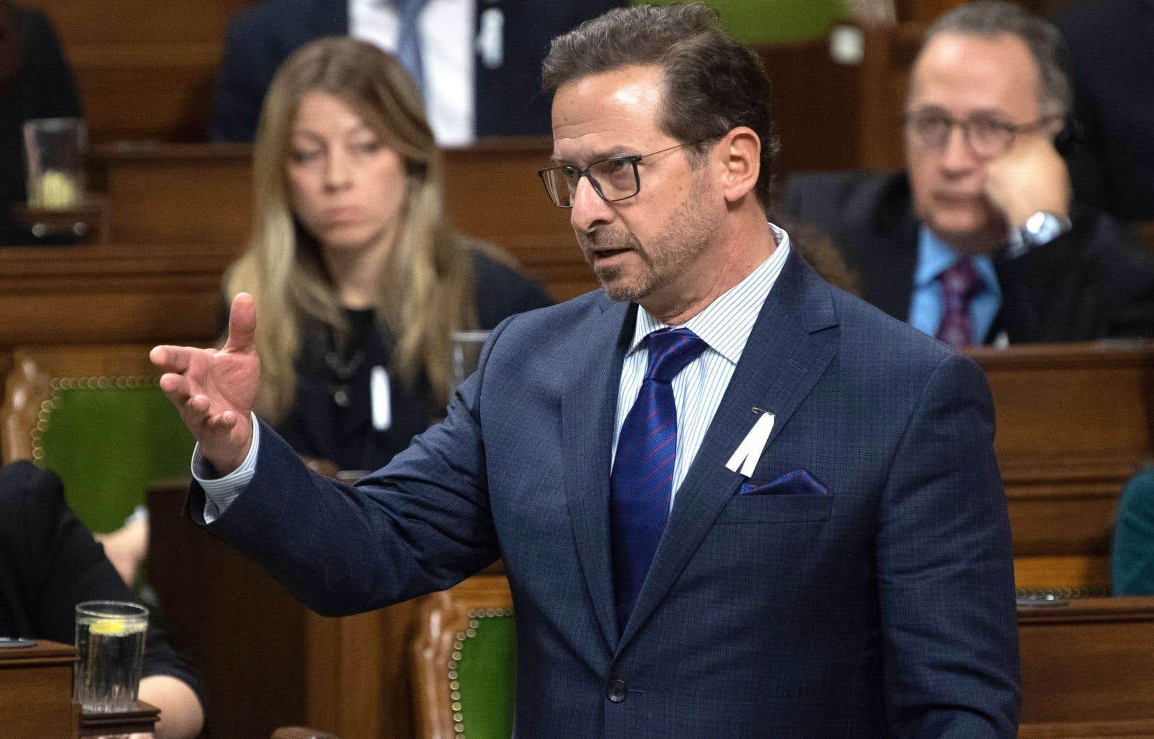 Après avoir appuyé le discours du Trône, le chef bloquiste, Yves-François Blanchet, a indiqué lundi qu'il votera pour la baisse d'impôt que les libéraux veulent instaurer le 1erjanvier prochain.