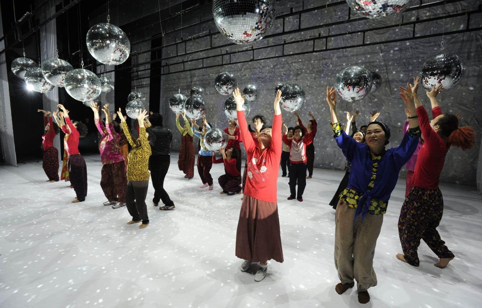 «Dancing Grandmothers», de la Coréenne Eun-Me Ahn, reste une exception dans le domaine de la danse.