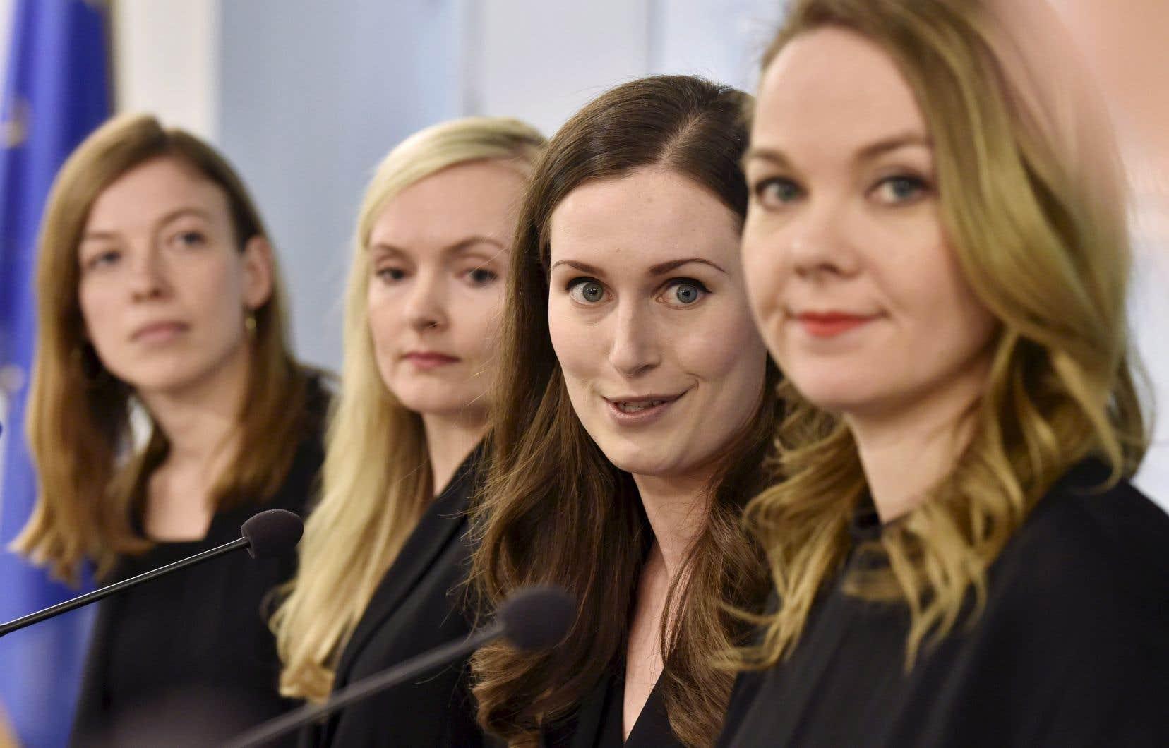 L'ascension fulgurante de Sanna Marin installe des femmes aux commandes des cinq formations composant la coalition de centre-gauche aux affaires, dont toutes, sauf une, ont moins de 35ans.