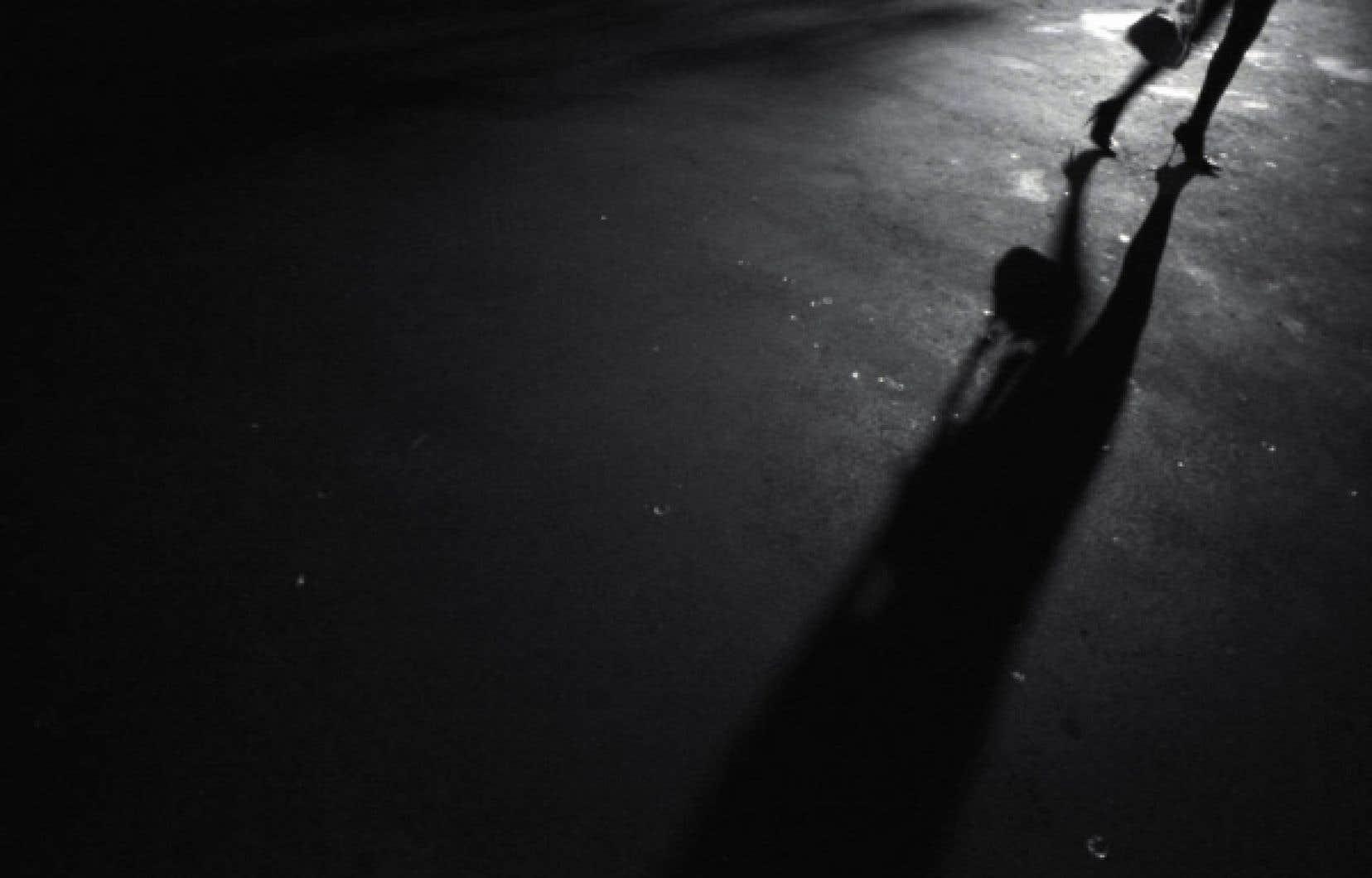 Selon Frances Shaver, sociologue de l'Université Concordia, les travailleurs du sexe ont en général de nombreuses autres expériences de travail, ce qui irait à l'encontre de l'argument selon lequel ils sont «confinés» à l'industrie du sexe. <br />