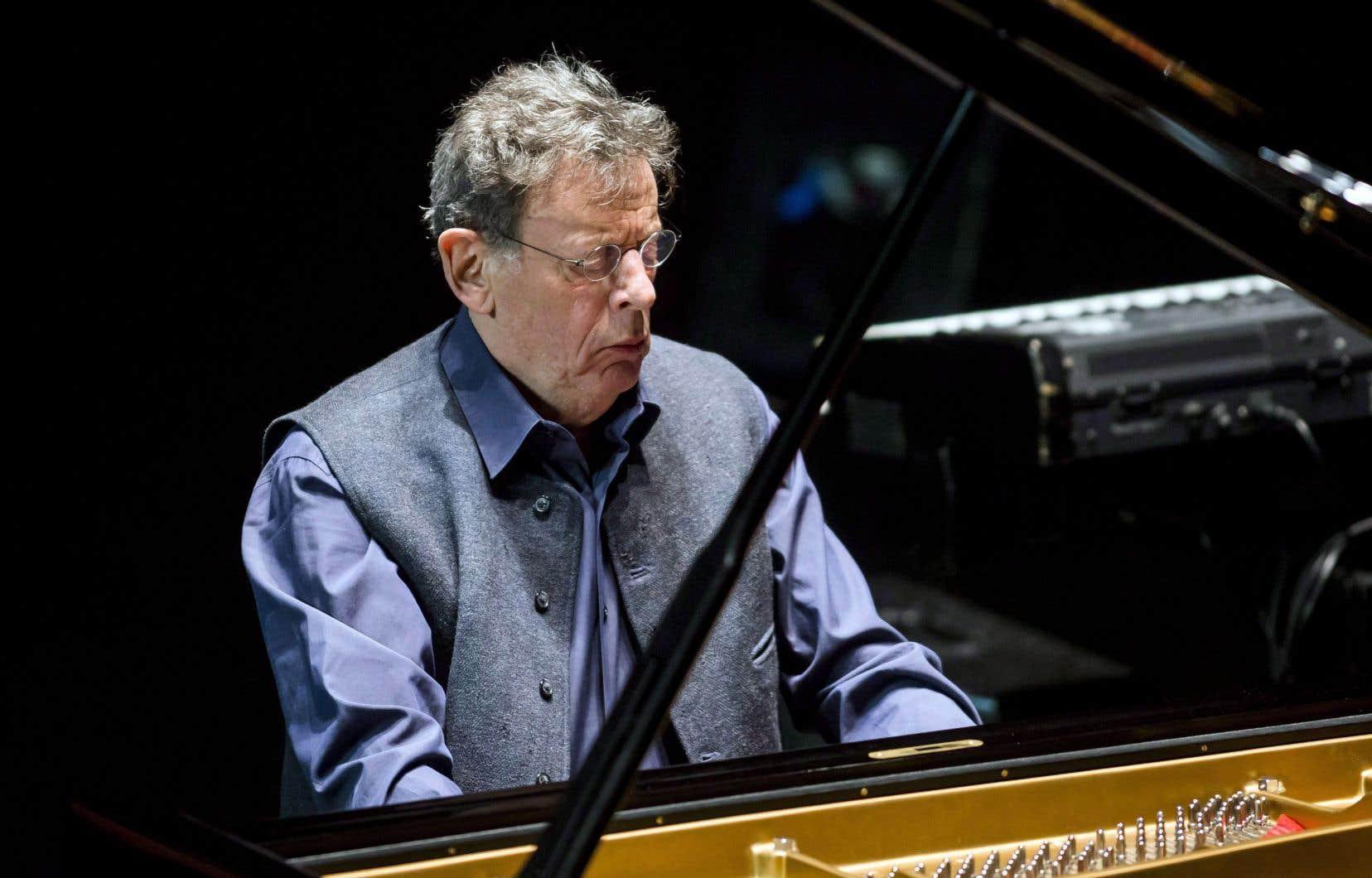 Àgé de 82ans, Philip Glass est plus actif que jamais. Si cette oeuvre devait devenir une symphonie, ce serait sa douzième.