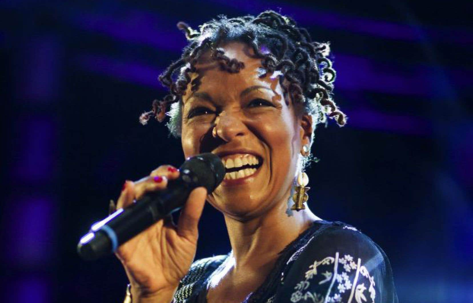 En tant qu'actrice et chanteuse, Lisa Simone a été acclamée dans plusieurs productions célèbres de Broadway.