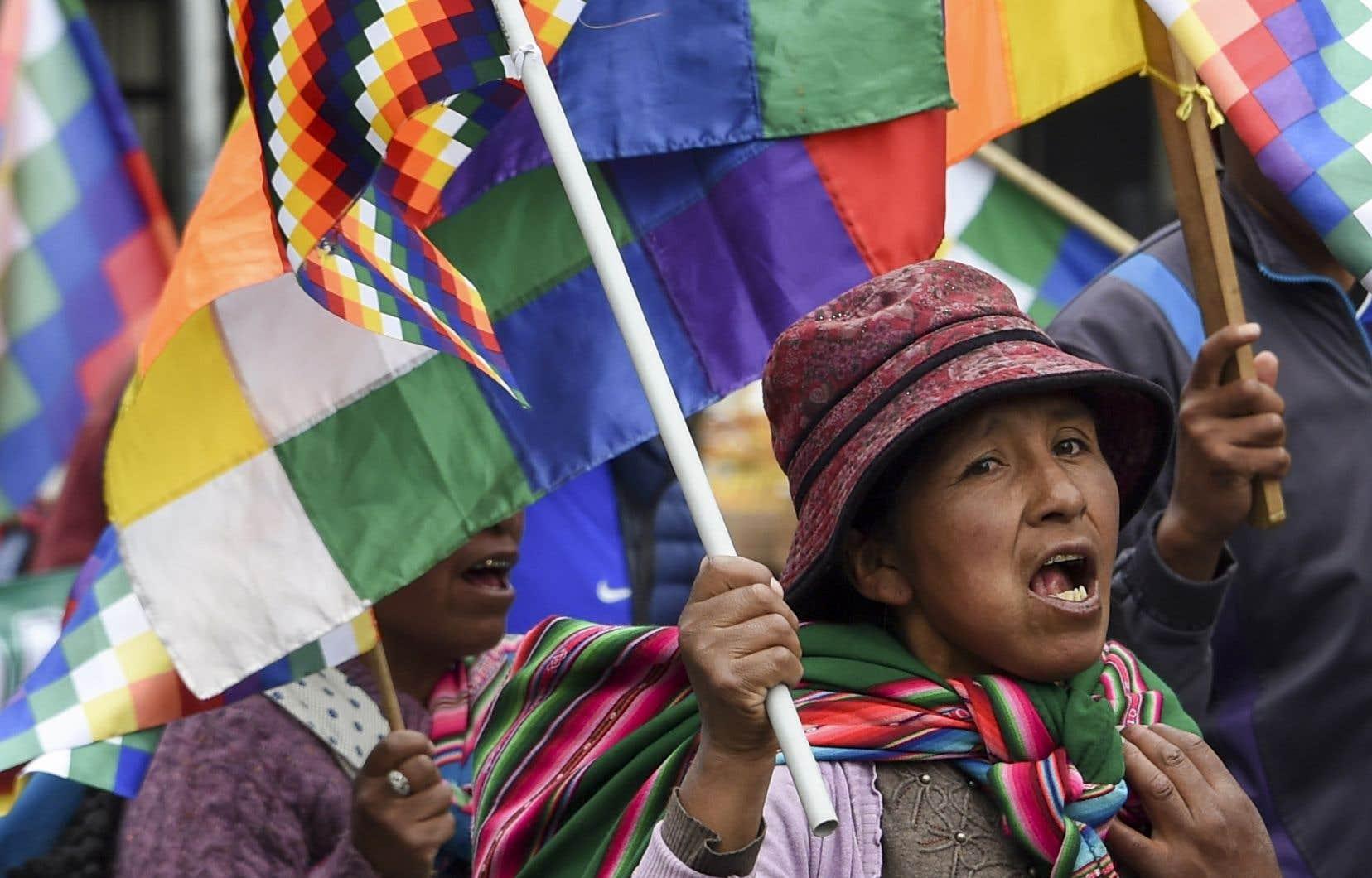 Les manifestations s'enchaînent dans les rues de La Paz.