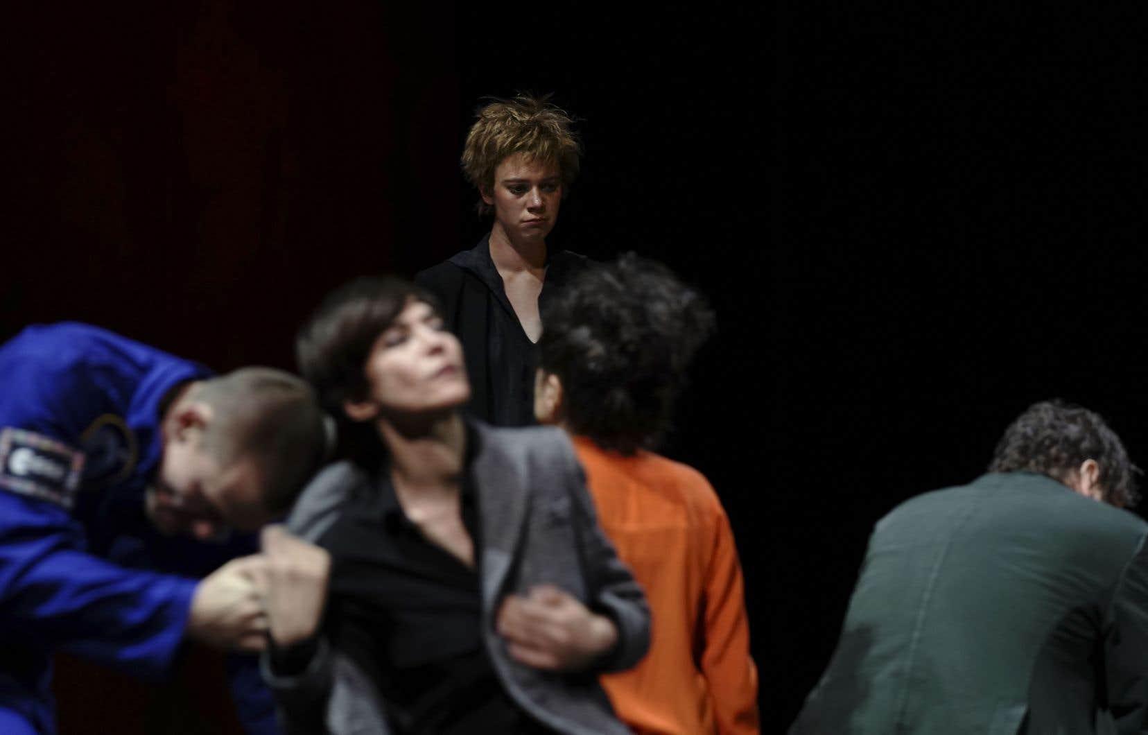 Les pièces «Fauves» (photo) et «Mort prématurée d'un chanteur populaire dans la forcede l'âge» apportent une saveur québécoise aux planches parisiennes.