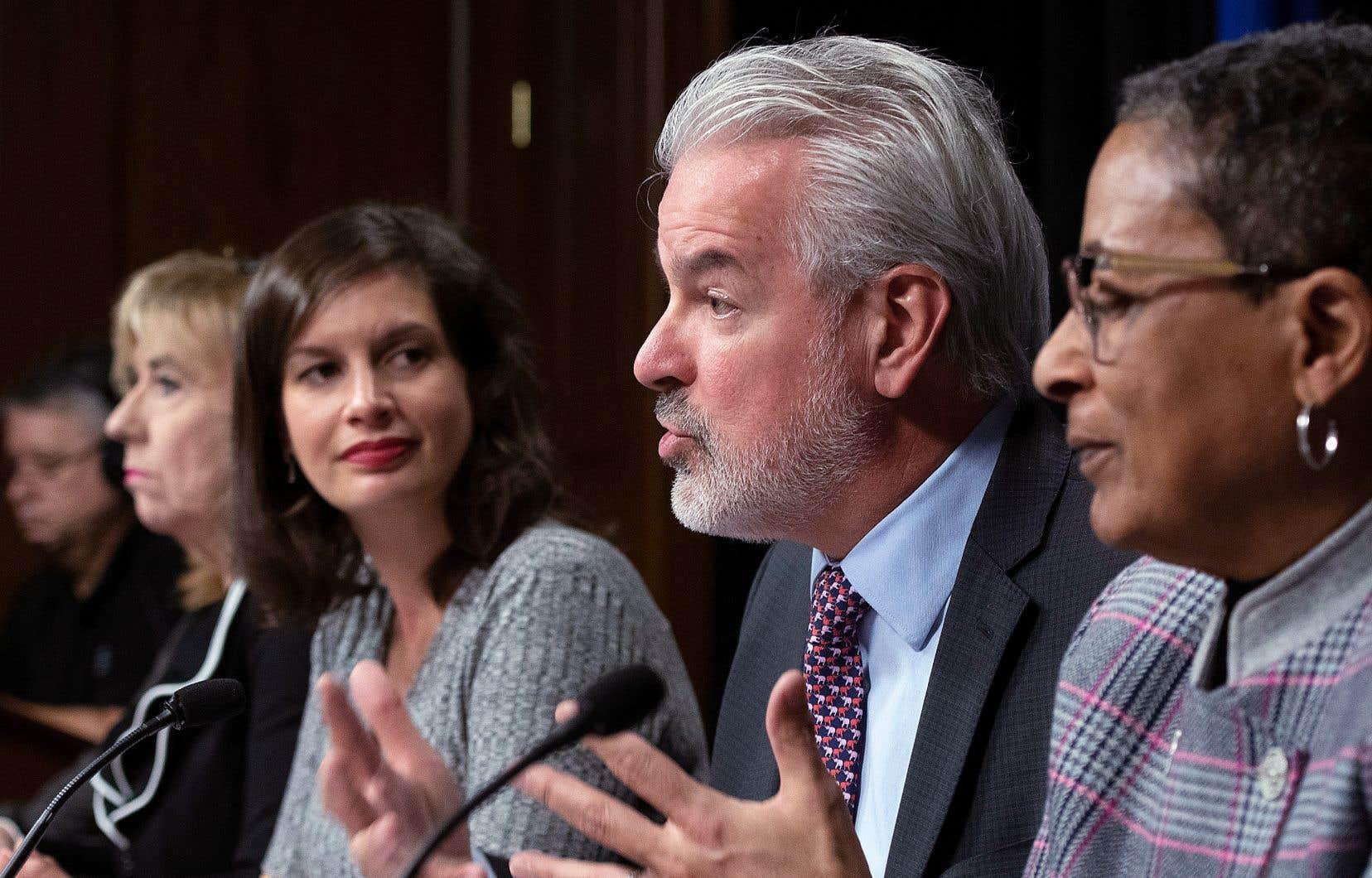 Bernard Sévigny, ex-maire de Sherbrooke, présidera le comité consultatif mis sur pied par la ministre de la Sécurité publique, Geneviève Guilbault.