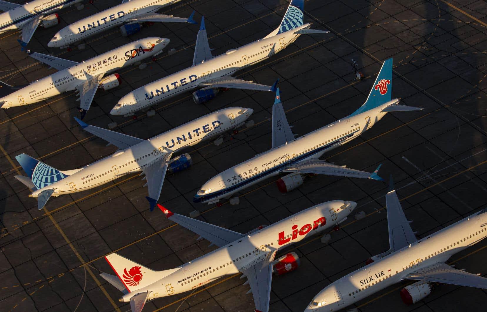 Boeing a annoncé lundi qu'il cesserait temporairement de produire son appareil 737 MAX à compter de janvier.