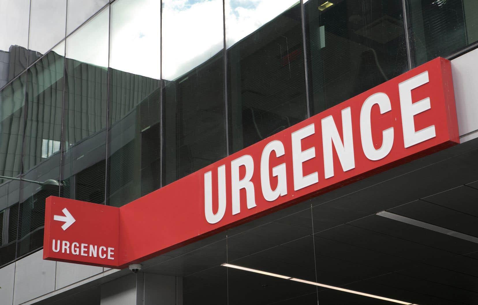 À Montréal, 15 des 21 établissements de santé se trouvent en situation d'achalandage élevé ou très élevé.