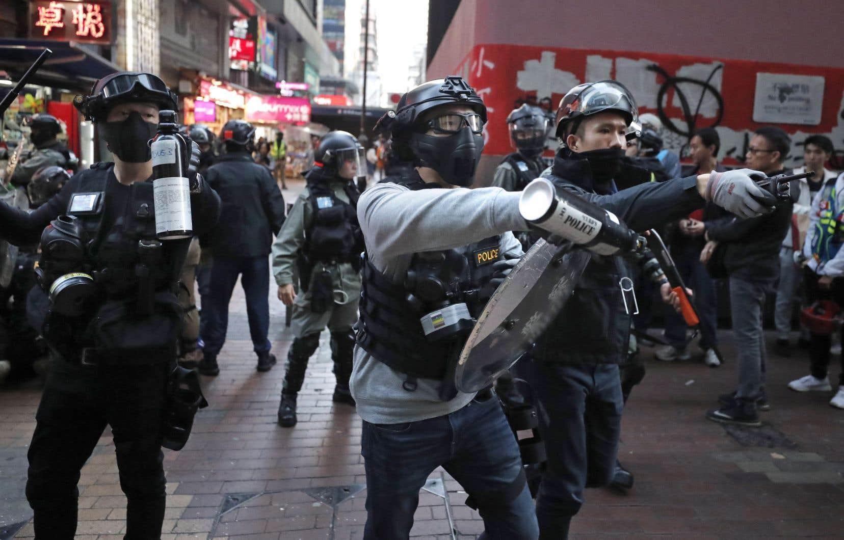 Les manifestants ont ciblé les quartiers où se concentrent les boutiques et grands magasins.