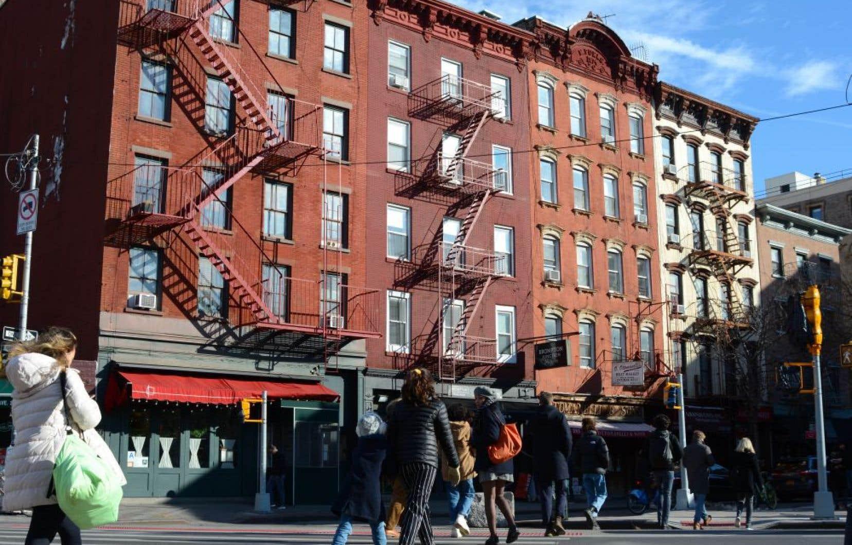 Les édifices en briques rouges de trois, quatre ou cinq étages de Greenwich Village
