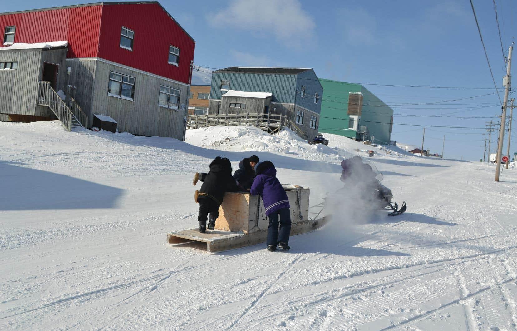 Le nouveau ministère des Affaires du Nord est unique parce qu'il se consacre à une région et non à un sujet. Sur la photo, le village de Kangiqsualujjuaq, au Nunavik