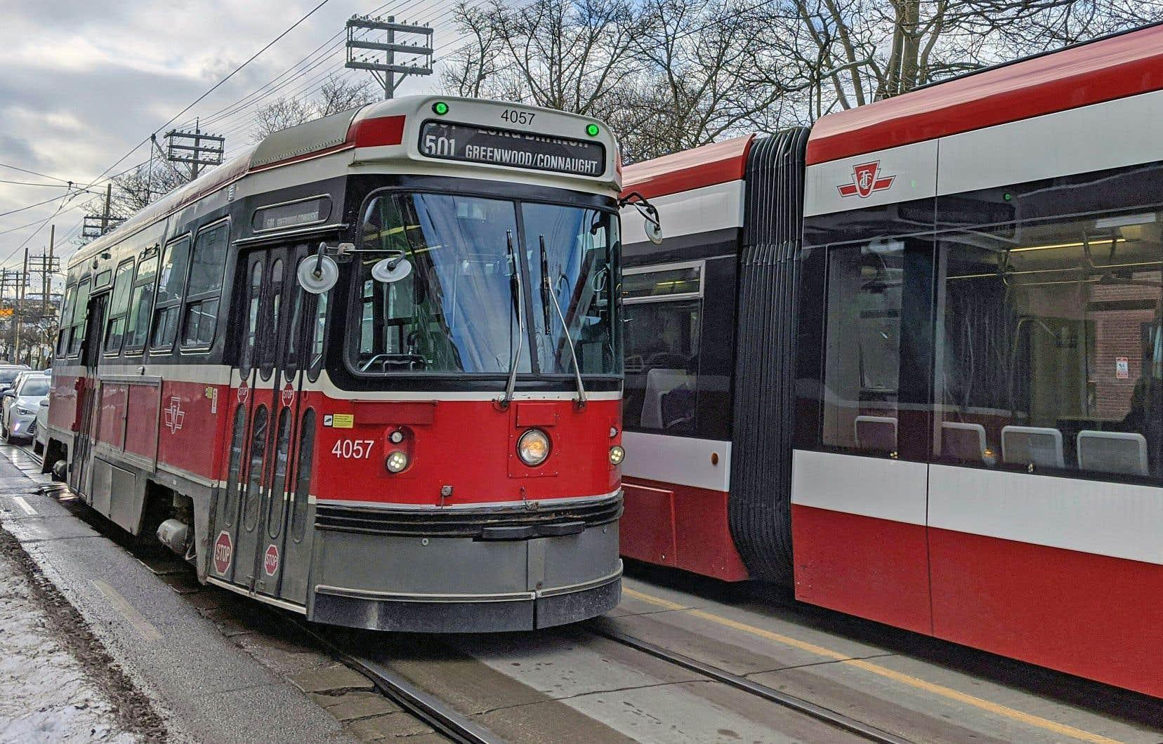 L'emblématique Canadian Light Rail Vehicle est en service depuis la fin des années 1970.
