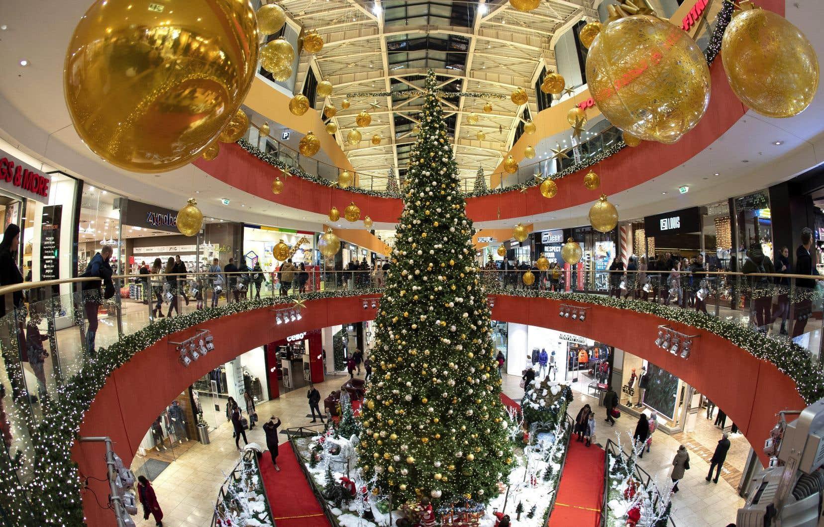Des algorithmes qui permettent la personnalisation des achats en ligne jusqu'à la composition de nouvelles chansons de Noël, l'intelligence artificielle commence à s'introduire dans nos festivités.