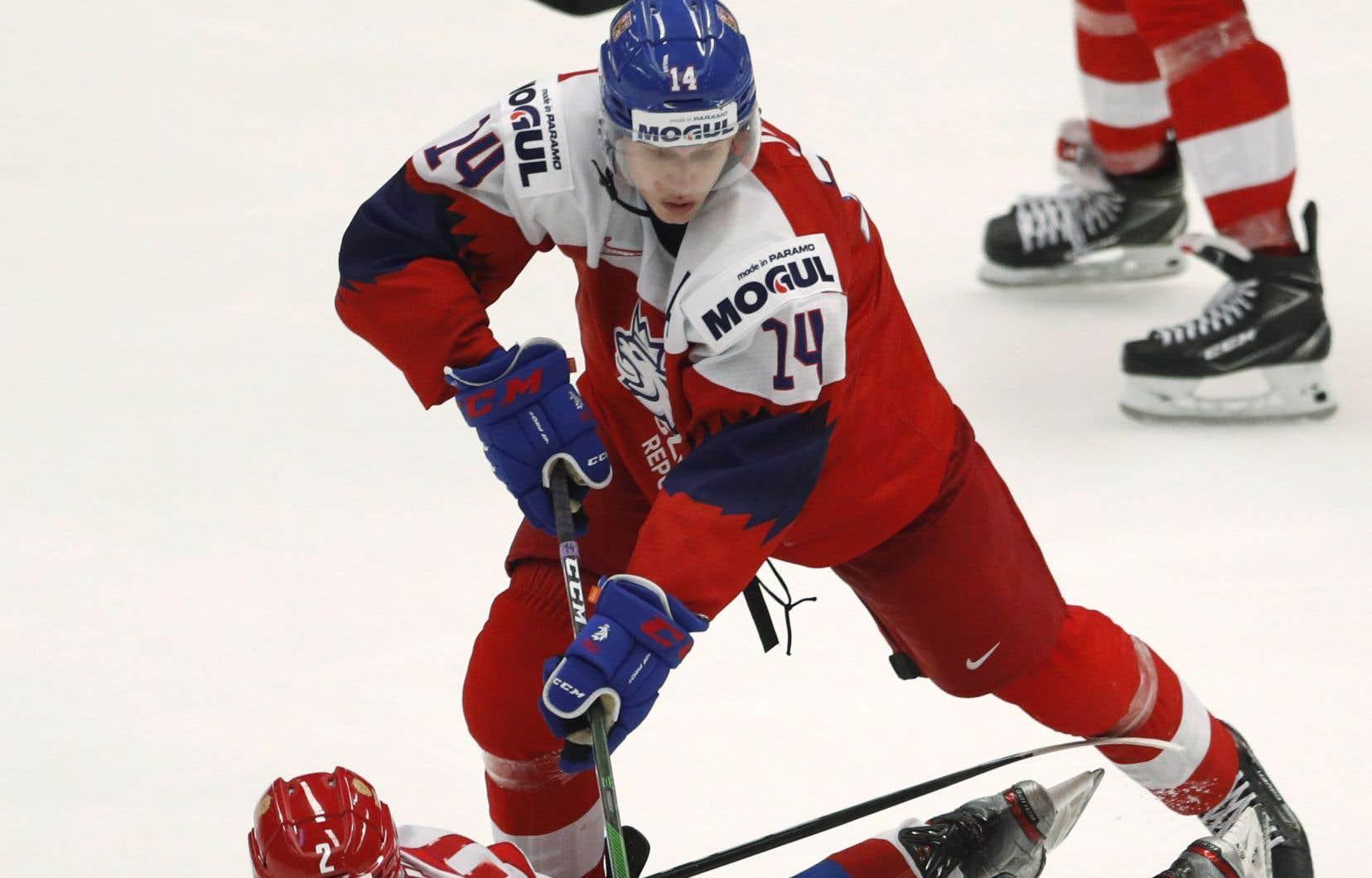 Jan Jenik, un espoir de 19ans des Coyotes de l'Arizona qui évolue avec les Bulldogs d'Hamilton dans la Ligue junior de l'Ontario, a marqué le but victorieux pour la République tchèque pendant un avantage numérique de deux hommes.