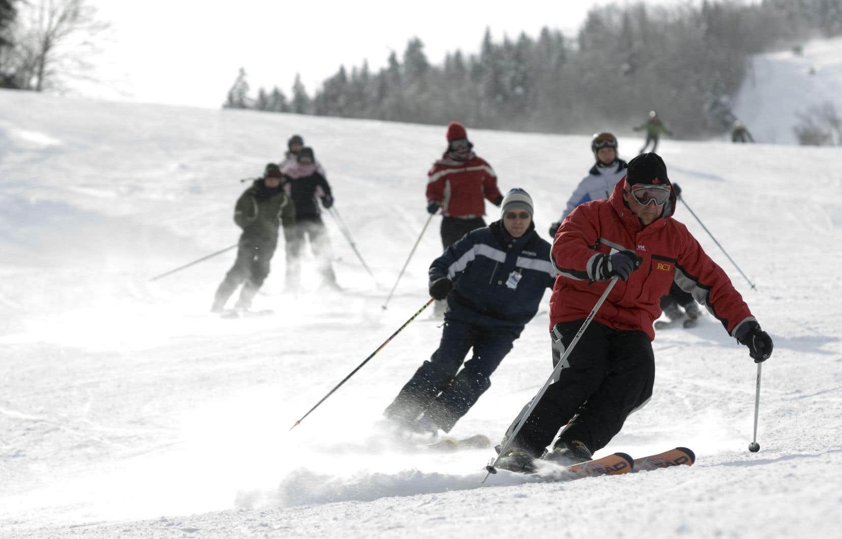 La Station de ski de Stoneham est une propriété de la compagnie Resort of the Canadian Rockies, de l'Alberta, qui détient aussi la Station du Mont-Sainte-Anne.