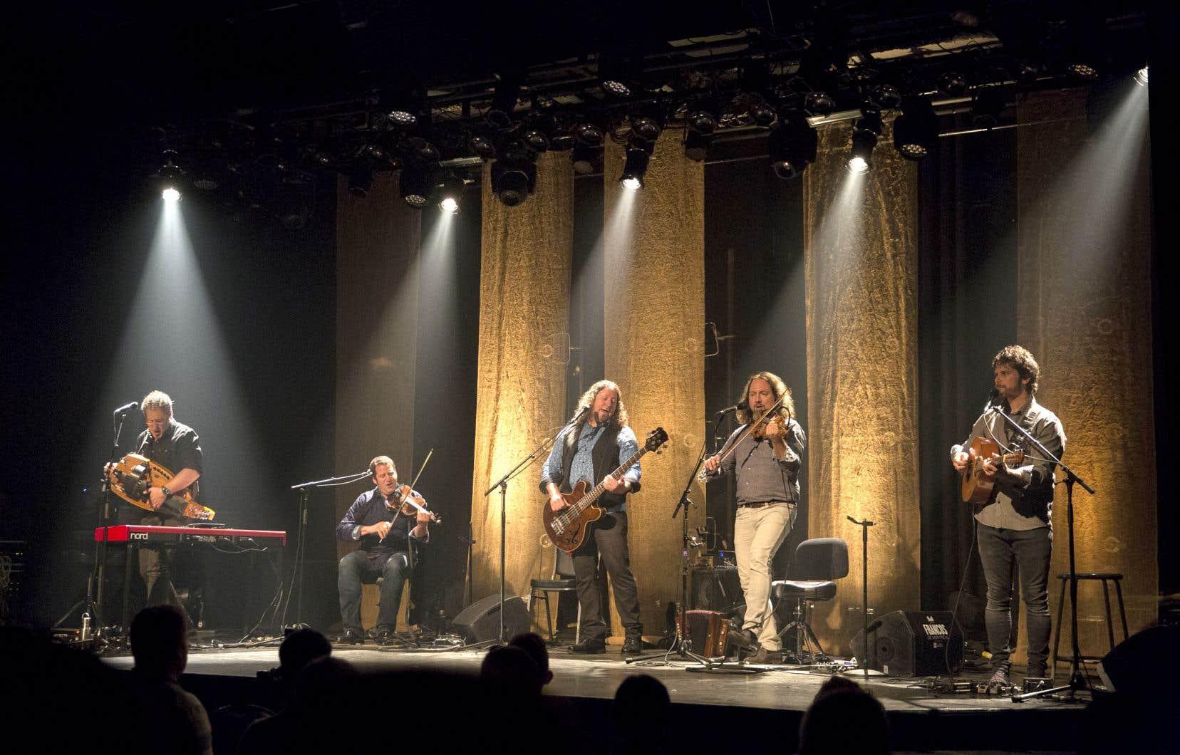 Le Vent du Nord sera accompagné de La Galvaude ainsi que du duo Seba et Horg pour sa Veillée de l'avant-veille.