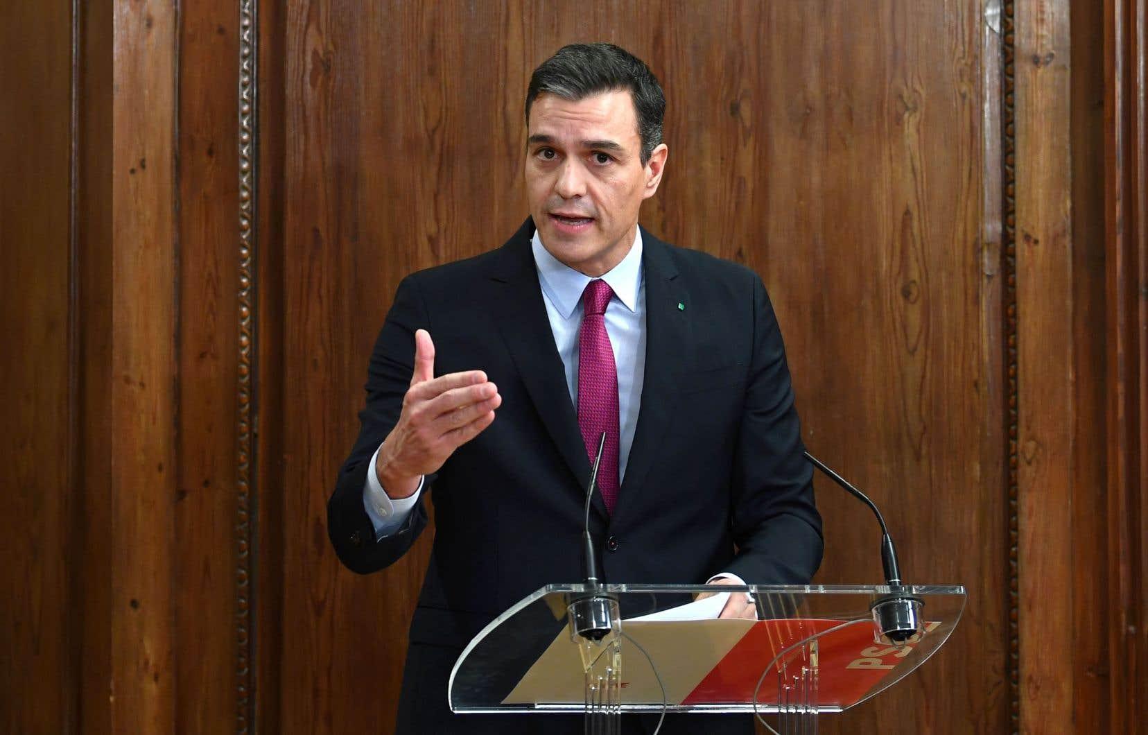 Lundi, Pedro Sánchez a présenté son programme de gouvernement de coalition avec la gauche radicale de Podemos.