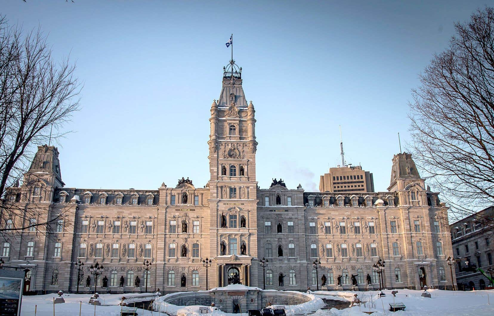 Québec rapportait encore l'an dernier un surplus budgétaire équivalant à 1,7% de son PIB, alors que la Colombie-Britannique n'a pu faire mieux que l'équilibre et que l'Ontario et l'Alberta rapportaient respectivement des déficits de 1,4% et de 2%.