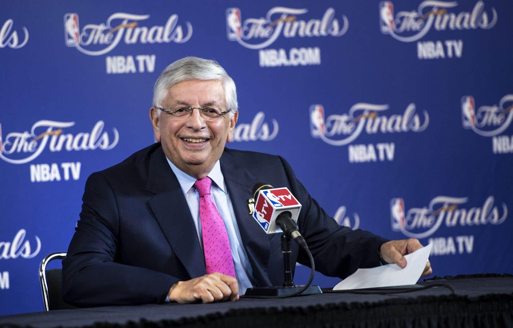 Au cours de ses 30 années de règne, assuré d'une main de fer dans un gant de velours, David Stern a transformé la NBA en une marque mondiale.