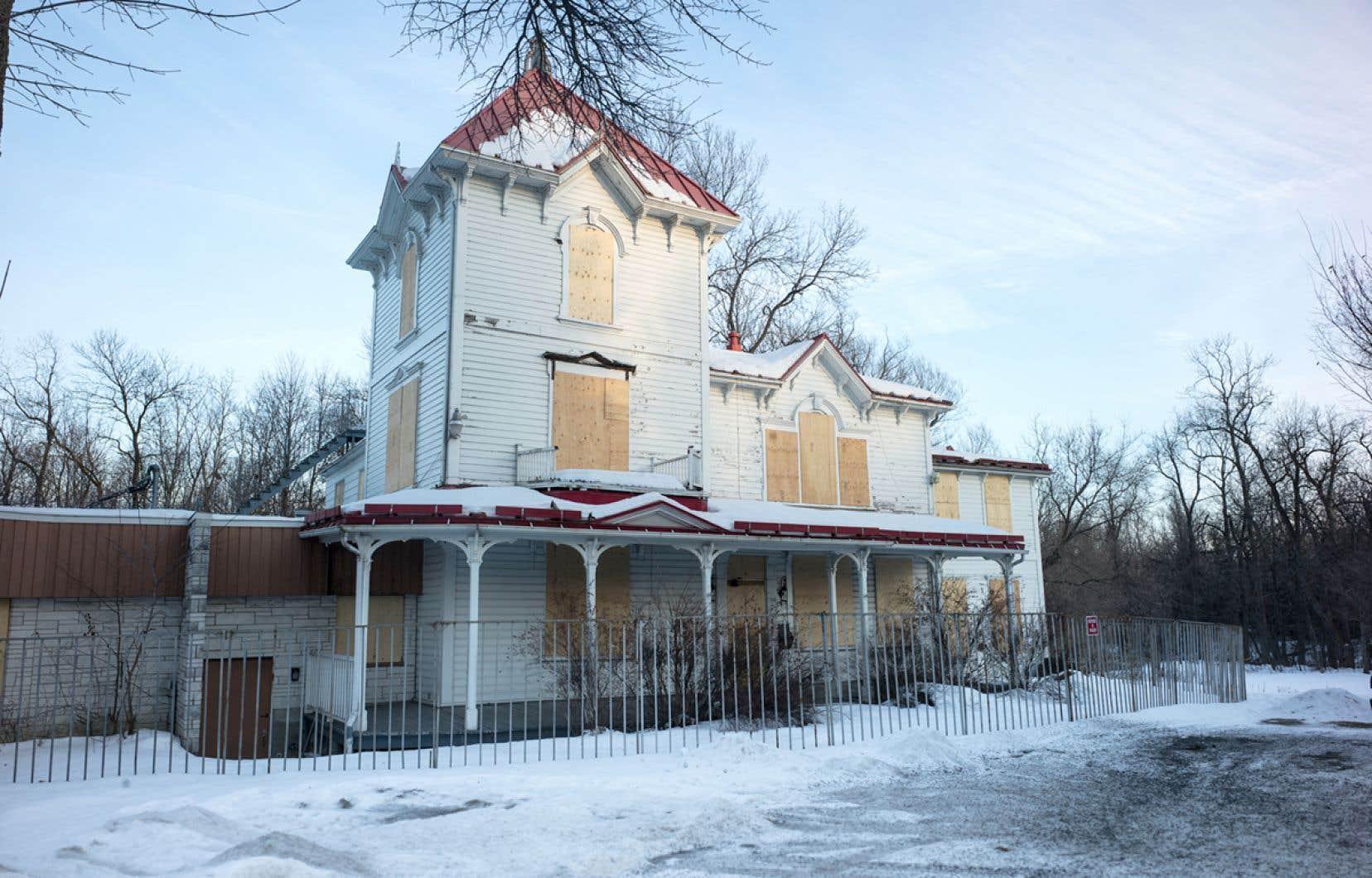 La Villa Livernois n'a jamais joui d'une protection officielle avant d'être détruite par un incendie en septembre 2019.