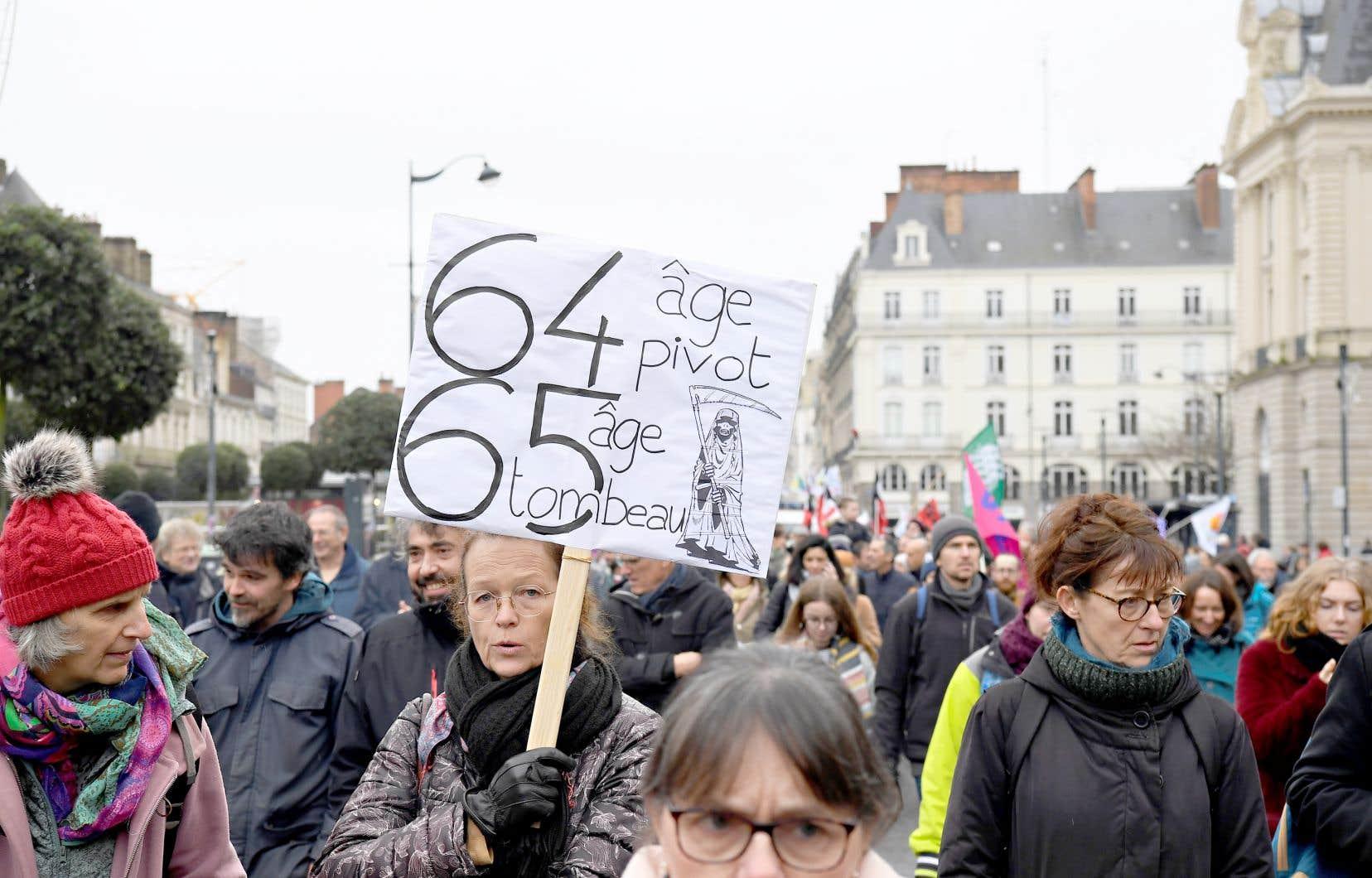 Mardi dernier dans son allocution du jour de l'An, le président [Emmanuel Macron], qui joue sa réélection dans deux ans, a dit souhaiter «un compromis rapide».
