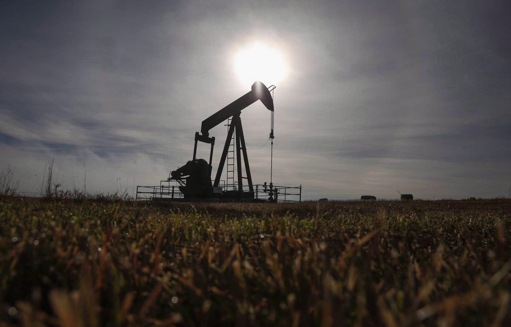 Ottawa admet déjà que les émissions du secteur pétrolier augmenteront au moins jusqu'en 2030.