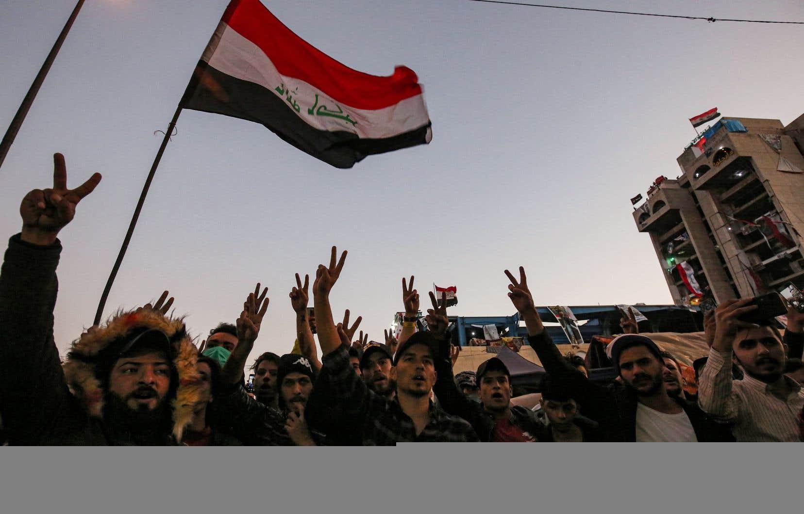 Le mot d'ordre des manifestants depuis le début le 1eroctobre d'une révolte inédite, parce que spontanée, est: «on veut notre pays».