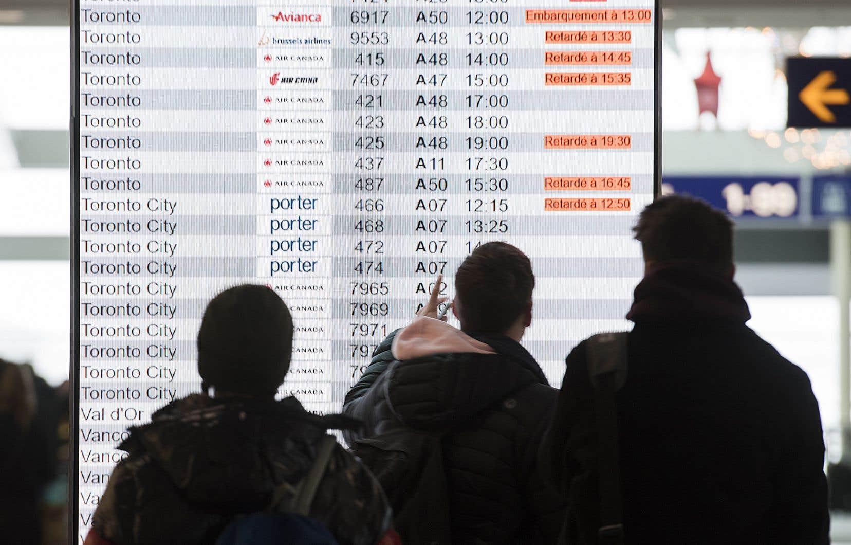 Une centaine de syndiqués du sous-traitant Swissport Fuelling Services travaillant à l'avitaillement des avions aux aéroports Montréal-Trudeau et Mirabel débraient depuis le 31 décembre.