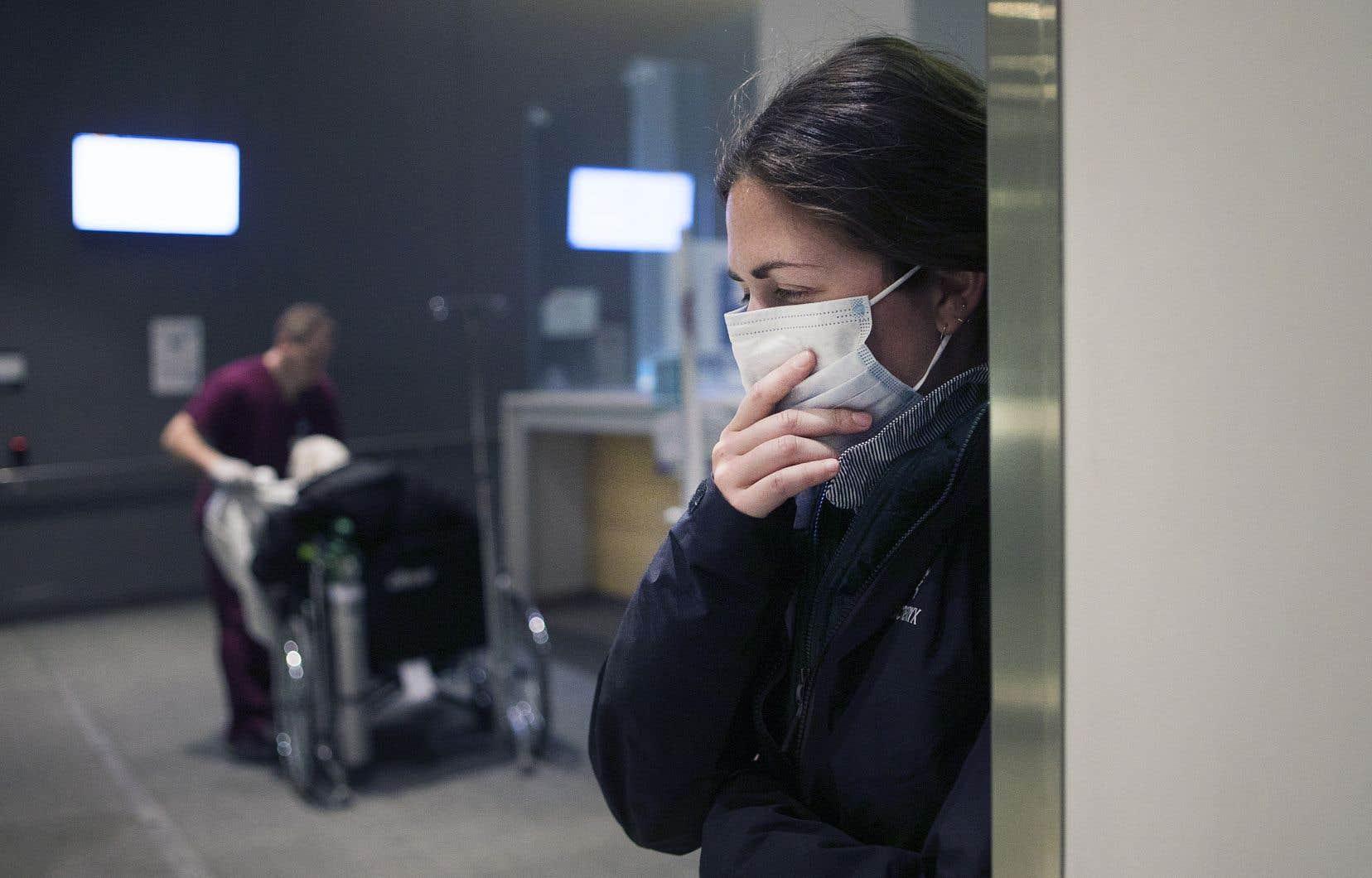 La saison de la grippe bat son plein et les urgences débordent en dépit de l'activation de cliniques hivernales censées soulager les hôpitaux.