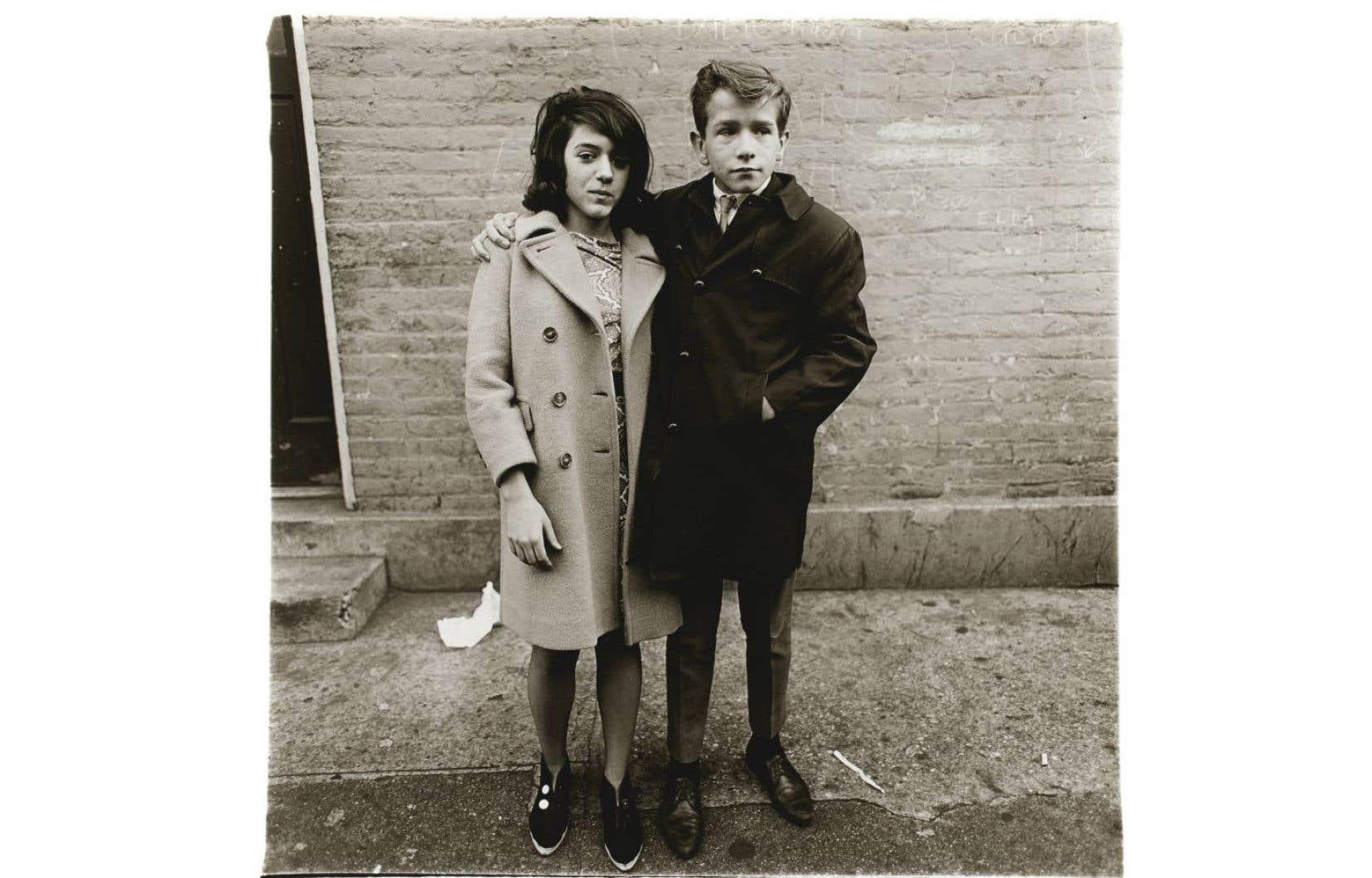 Diane Arbus, «Teenage Couple on Hudson Street», N.Y.C., 1963 (détail)