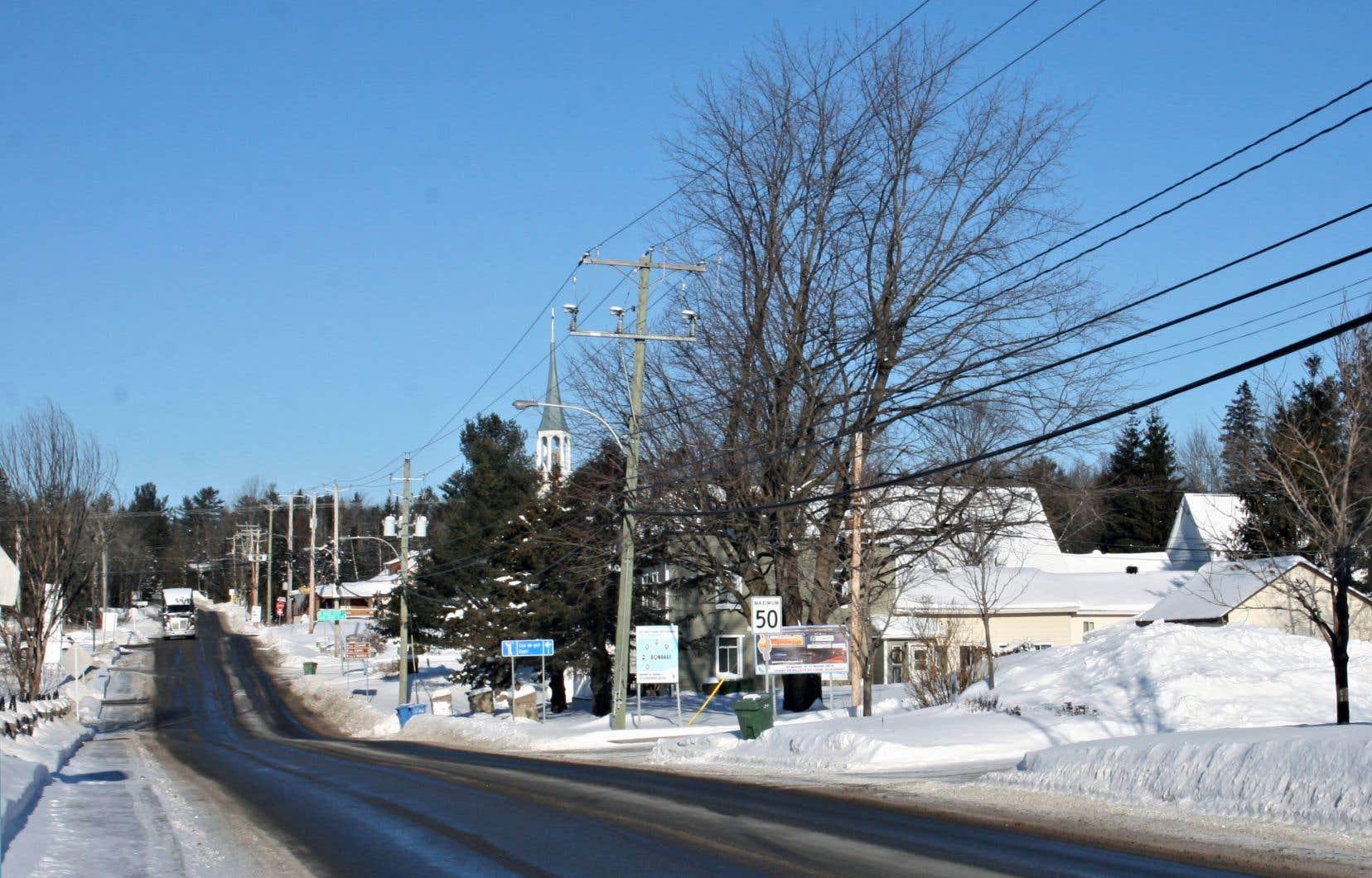 «Le modèle de densification élevée préconisé [par la Communauté métropolitaine de Montréal] n'atteint pas les objectifs de qualité de vie que poursuivent les familles, du moins pas toutes», estime le maire de Saint-Colomban.