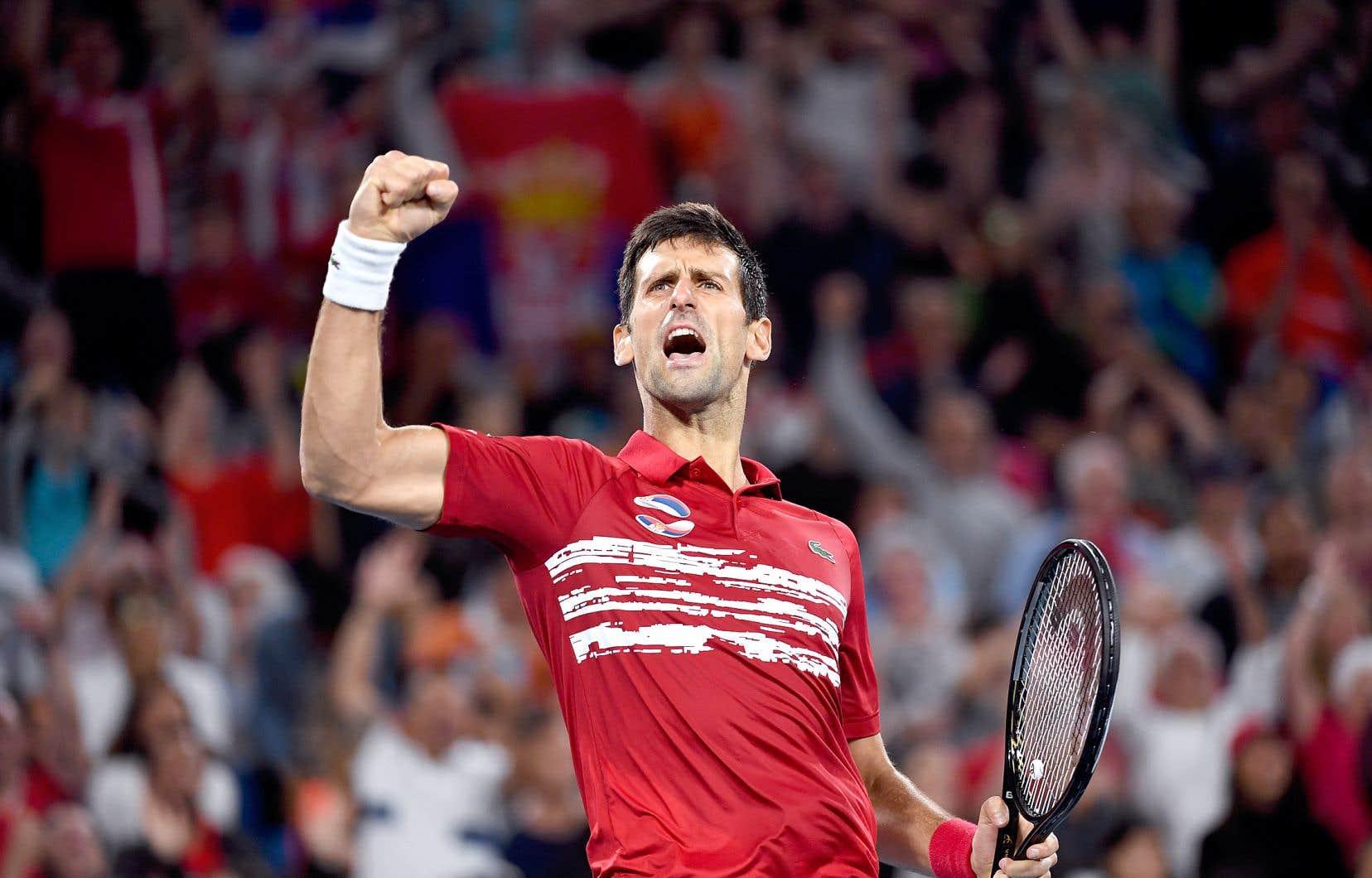 Novak Djokovic a défait Rafael Nadal 6-2, 7-6 lors d'un match de finales de la Coupe ATP dimanche en Australie.