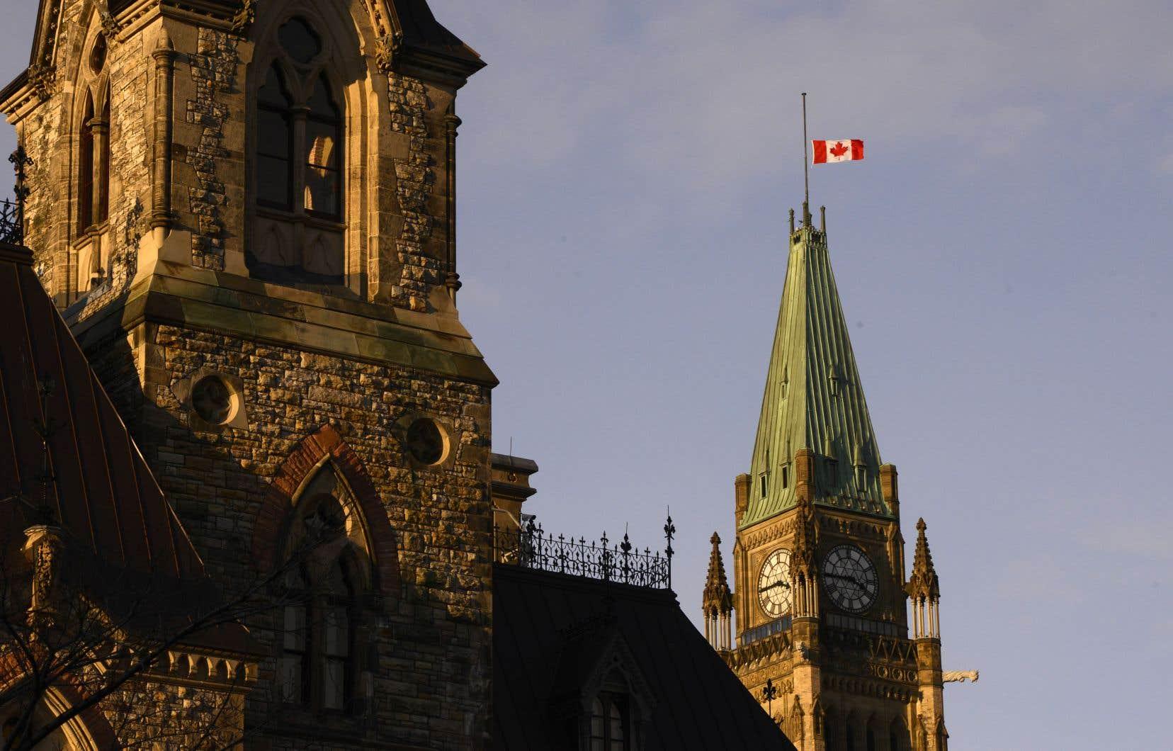 Le gouvernement fédéral entame une série de consultations avant de modifier sa loi.