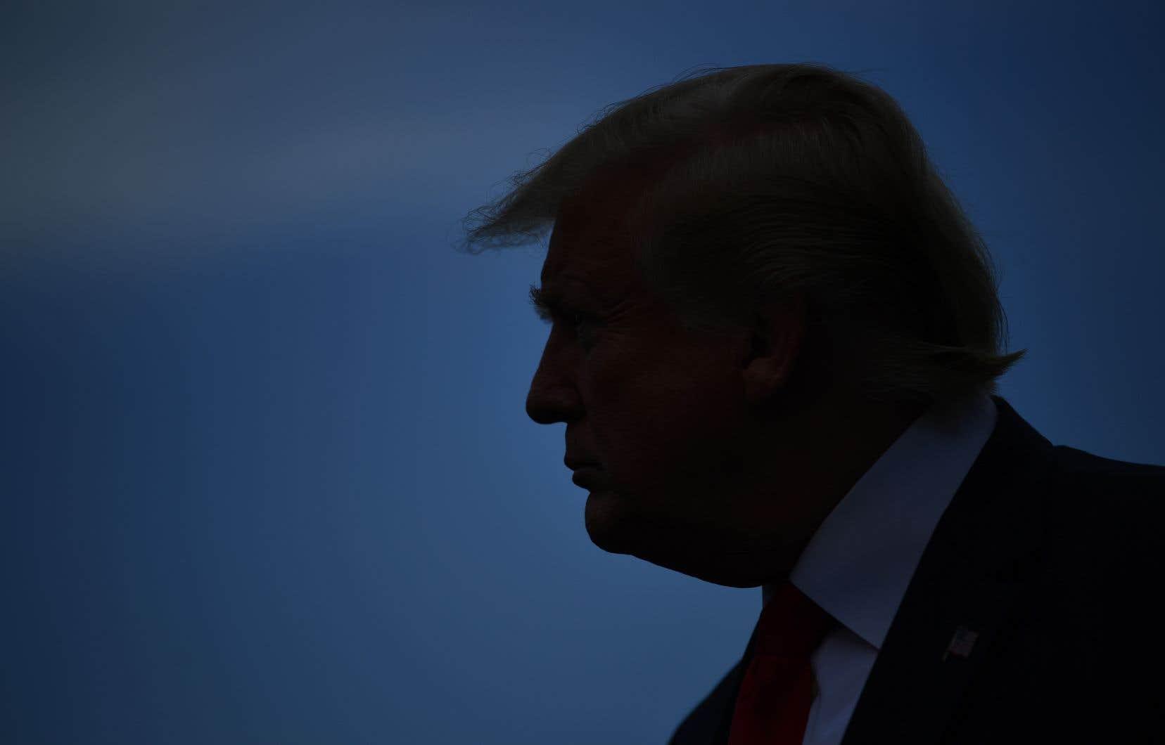 Un flou persiste quant à savoir qui défendra Donald Trump.