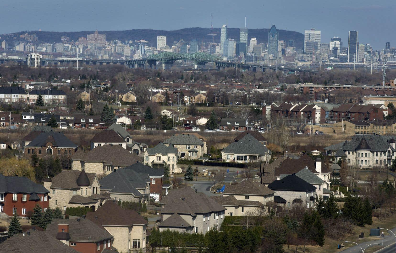 «Cette proposition d'un gouvernement métropolitain avait été unanimement rejetée par tous les élus locaux, ceux de la CUM, de Laval et de Longueuil lui préférant de loin le projet de communauté métropolitaine», rappelle Mme Harel.