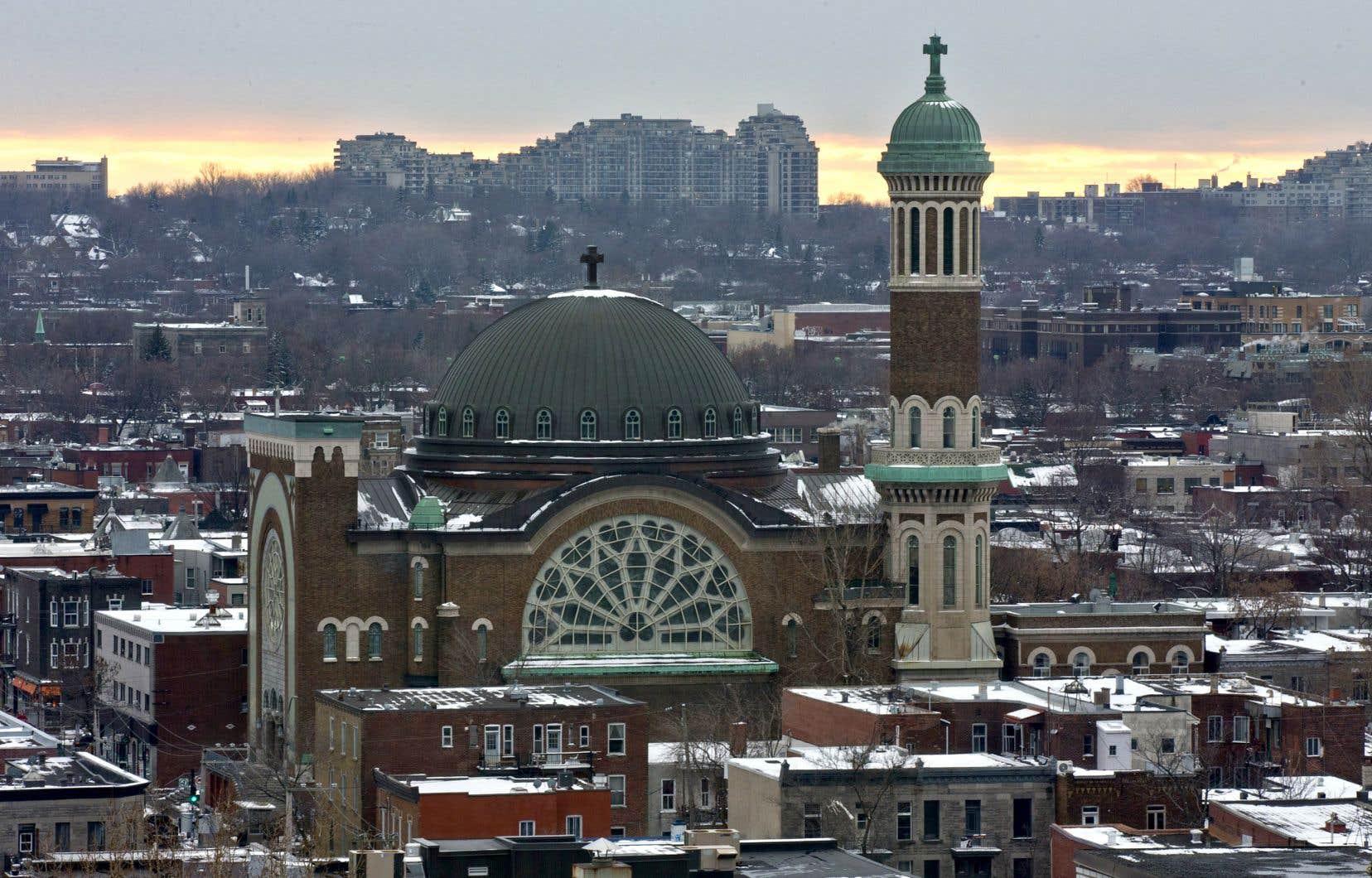 «Au Québec, la majorité francophone s'est largement affranchie de la religion, et ce, en partie à cause du caractère oppressant de l'Église catholique», souligne l'auteur.