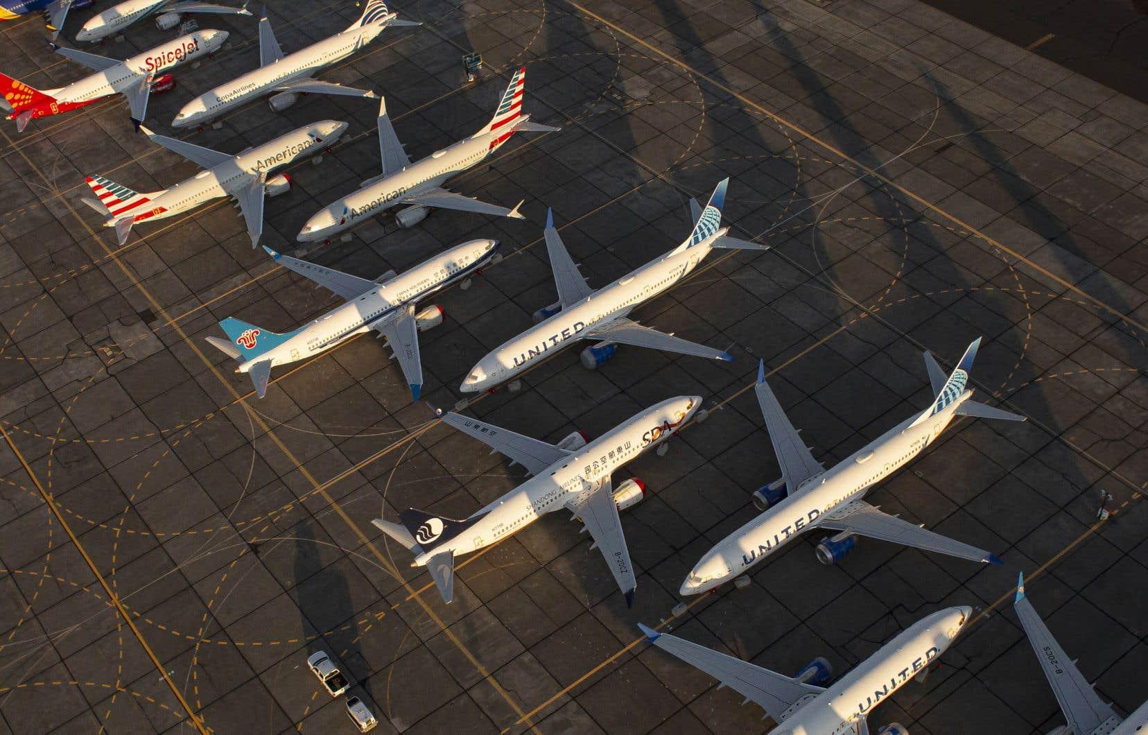 Des Boeing 737 MAX sont stationnés à l'aéroport international de Grant County à Moses Lake, dans l'État de Washington.