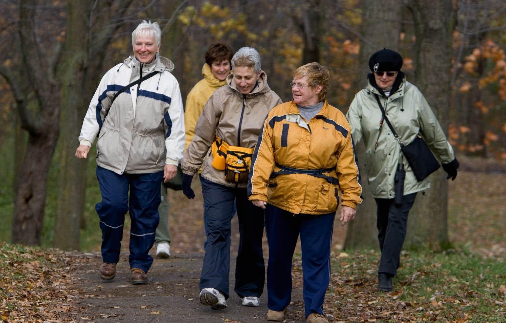 <p>On estime généralement que les femmes disposent d'un avantage de dix ou vingt ans face aux hommes au chapitre des maladies cardiovasculaires, une notion sur laquelle cette étude semble maintenant jeter un doute.</p>