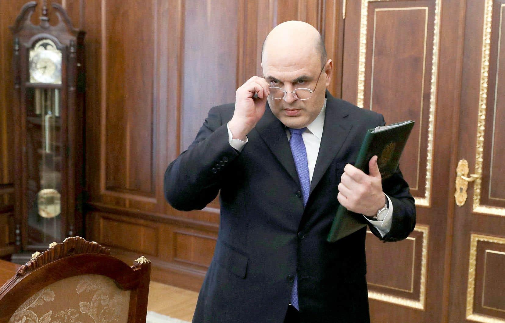 Mikhaïl Michoustine apparaissait en 2015 au 54e rang des hauts fonctionnaires les mieux payés de Russie, selon le magazine «Forbes», avec des revenus d'environ 3,9 millions de dollars canadiens.