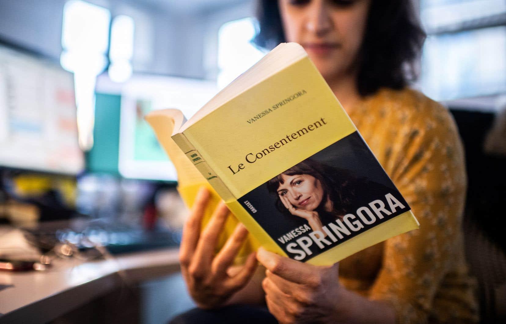 Dans «Le Consentement», Vanessa Springora raconte comment elle a été séduite par Gabriel Matzneff à l'âge de 13 ans dans les années 1980 et les blessures que cette relation a laissé dans sa vie.