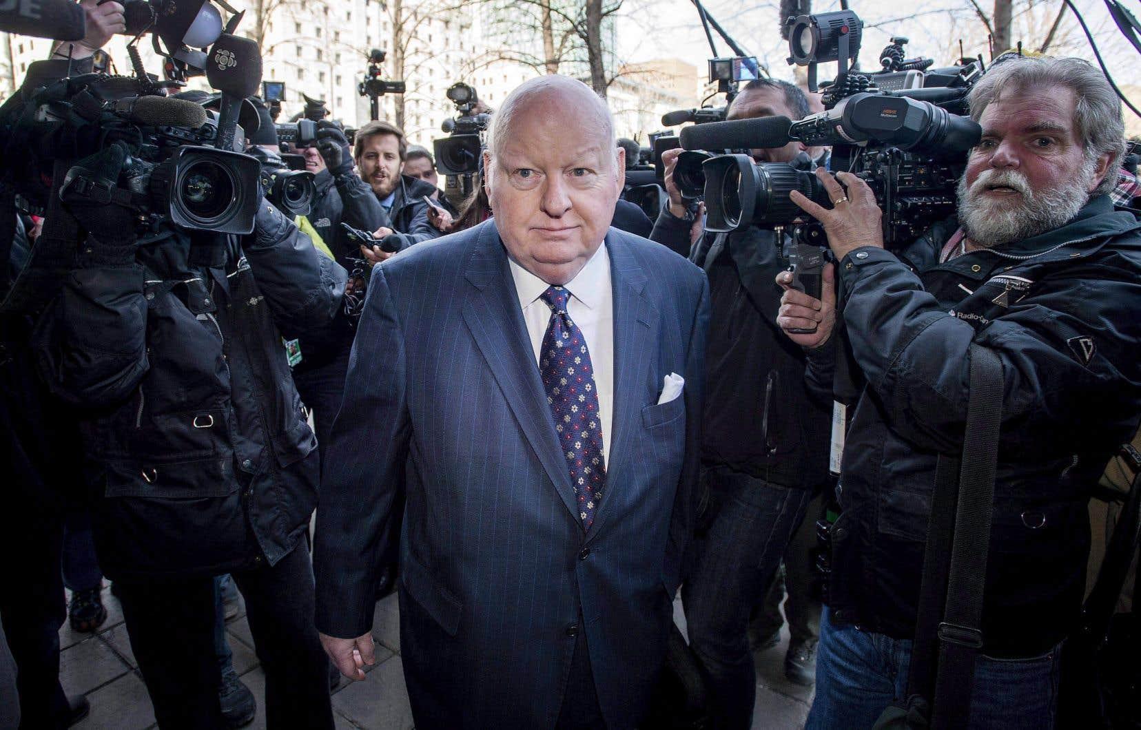 M.Duffy soutient que l'immunité normale dont jouit le Sénat contre toute action en justice ne s'applique pas dans son cas.