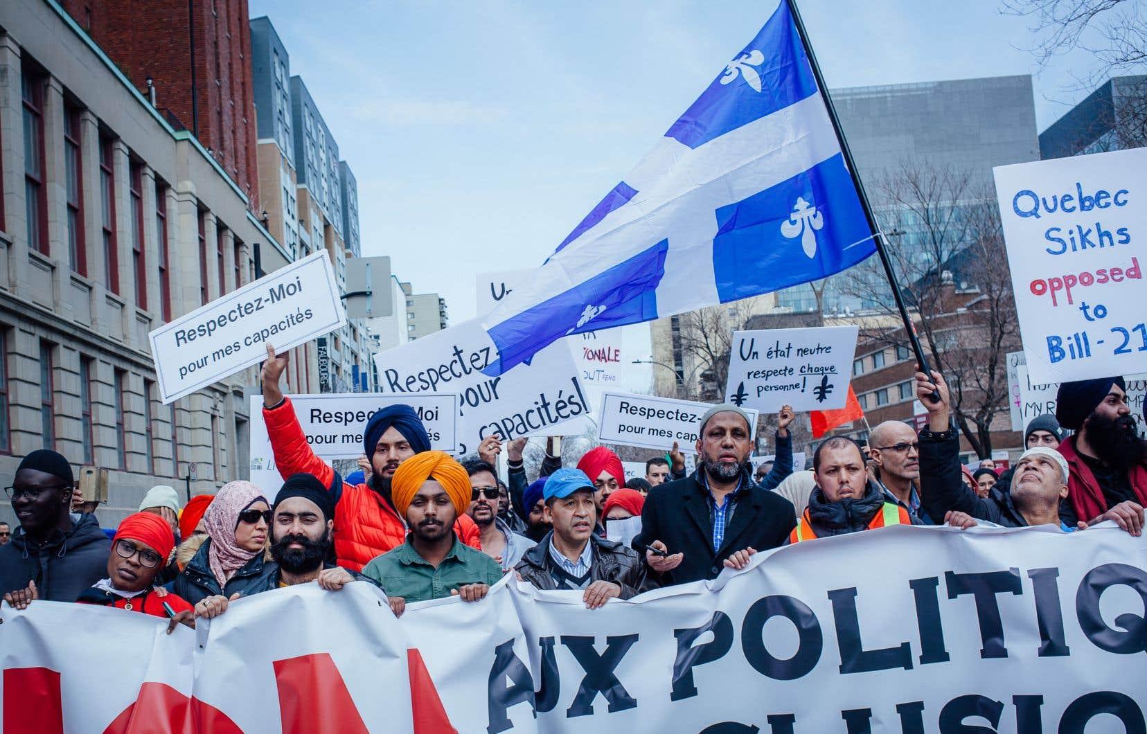 «Soustraire une loi à l'examen des tribunaux en faisant fi de la charte québécoise est un geste profondément antidémocratique», estime l'auteur.
