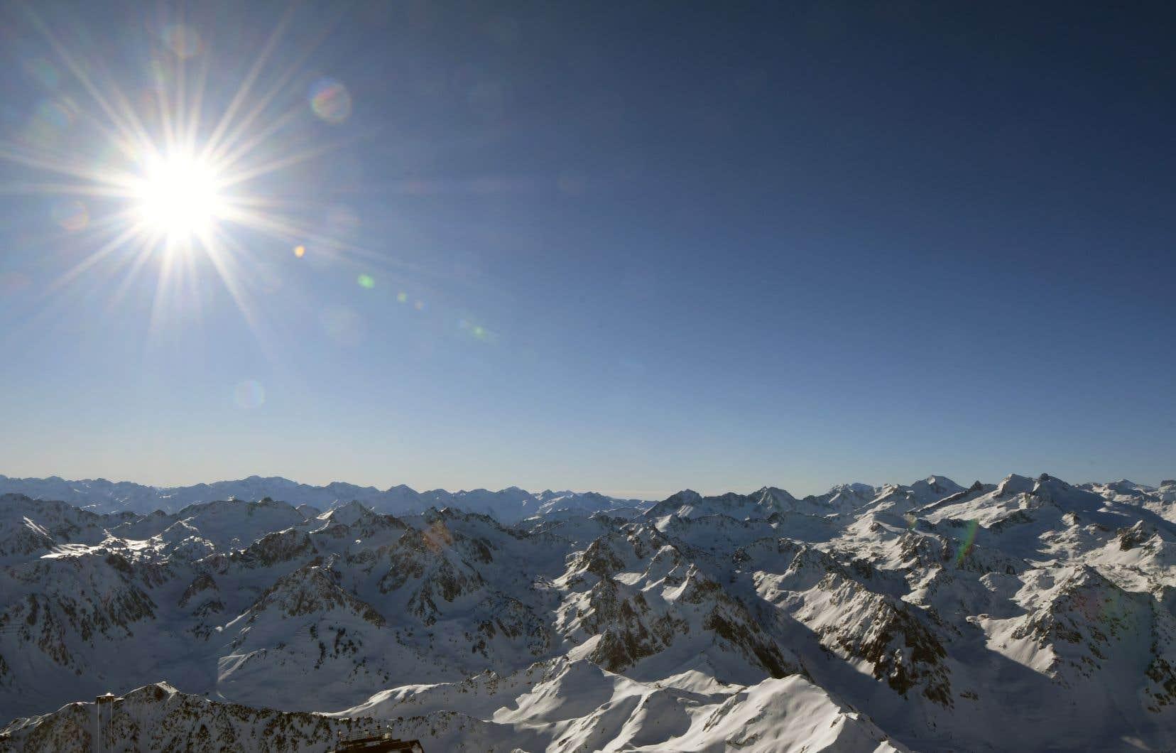 Depuis 18 ans, l'association Moraine assure le suivi annuel de neuf des 15 glaciers pyrénéens français.
